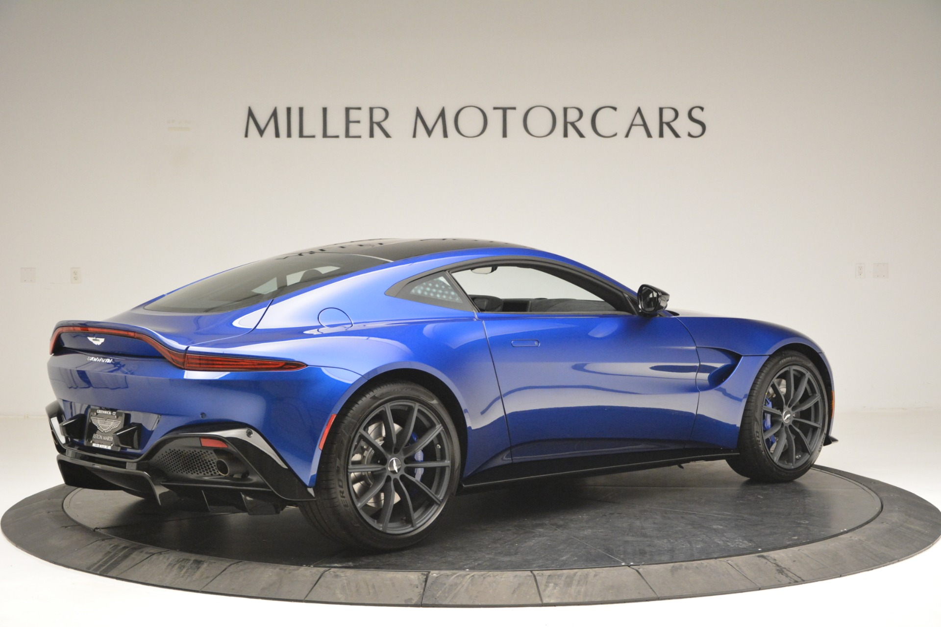 Used 2019 Aston Martin Vantage Coupe For Sale In Greenwich, CT 2981_p8