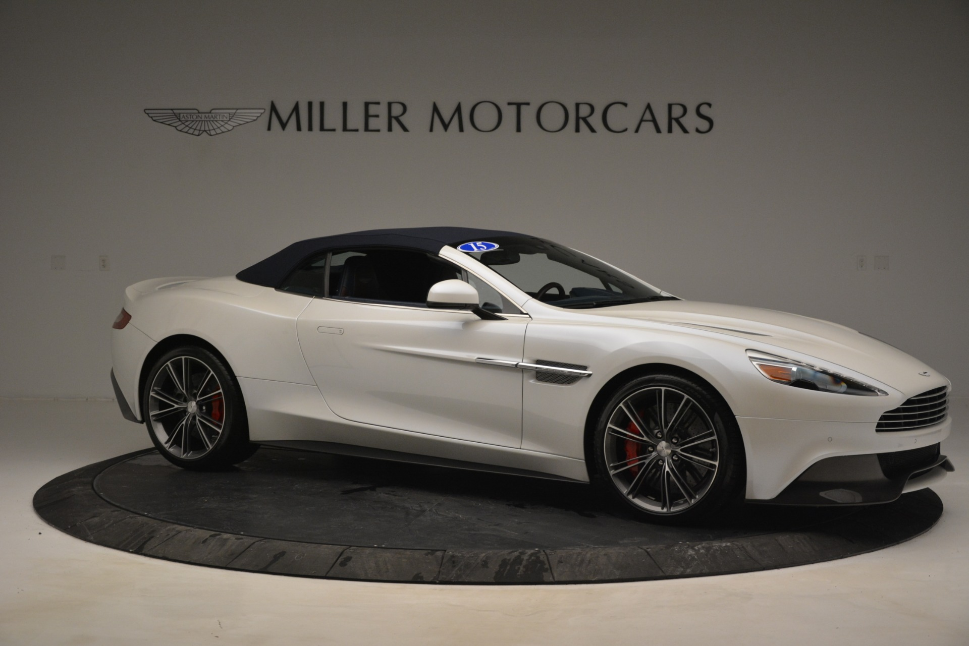 Used 2015 Aston Martin Vanquish Convertible For Sale In Greenwich, CT 2982_p18