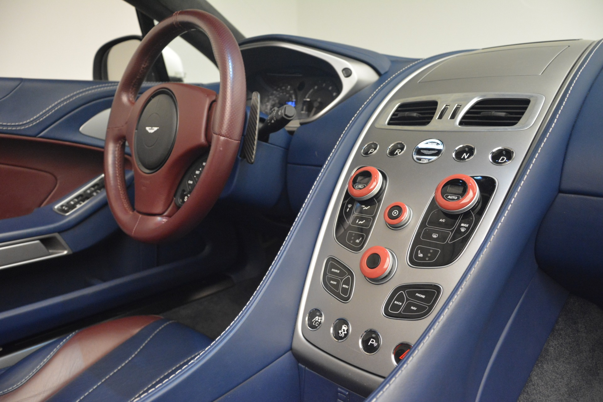 Used 2015 Aston Martin Vanquish Convertible For Sale In Greenwich, CT 2982_p25