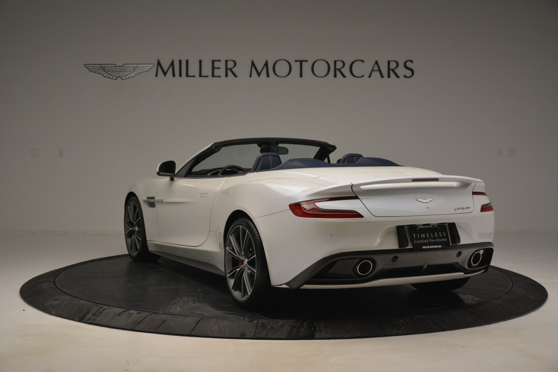 Used 2015 Aston Martin Vanquish Convertible For Sale In Greenwich, CT 2982_p5