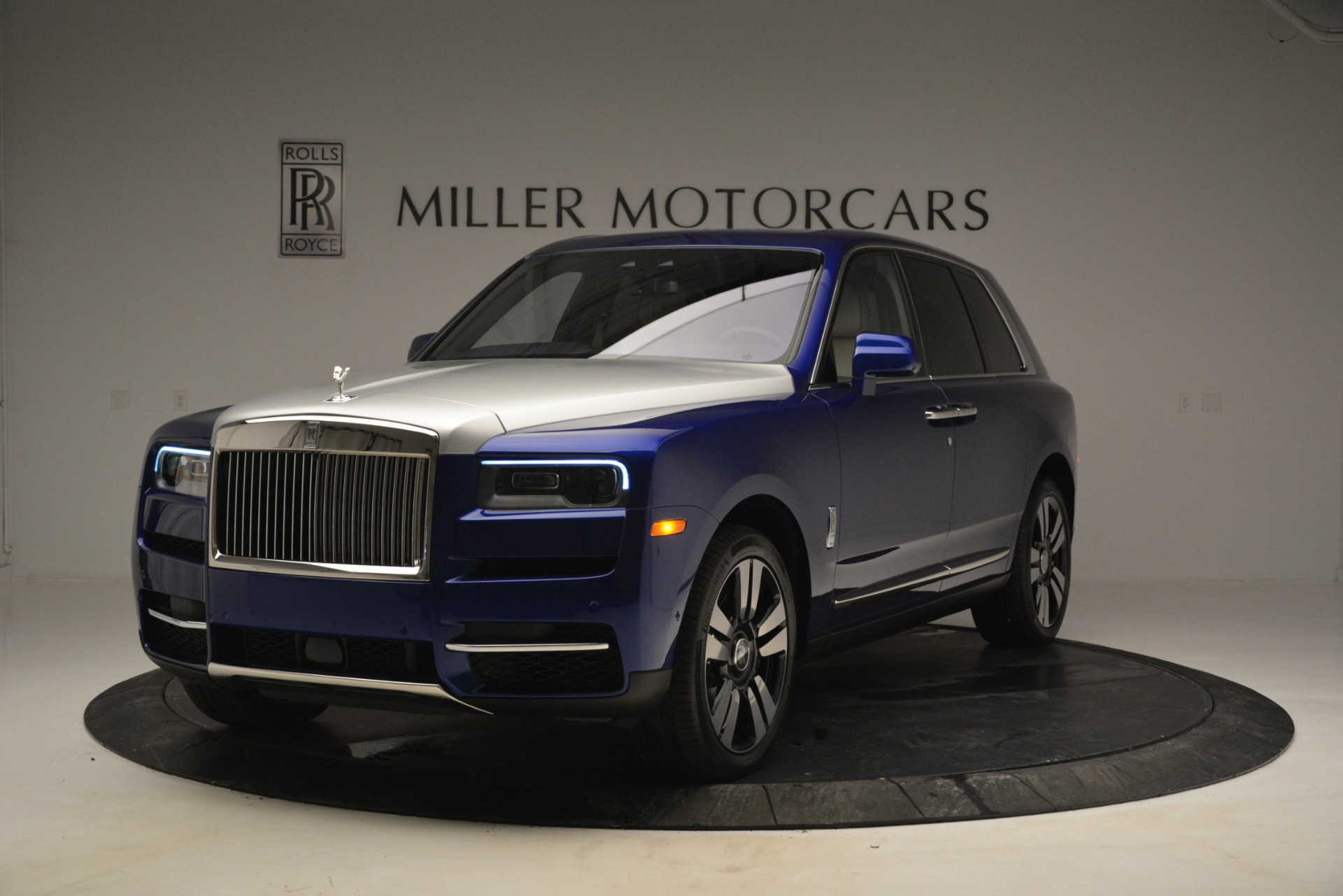 New 2019 Rolls-Royce Cullinan  For Sale In Greenwich, CT 2983_main