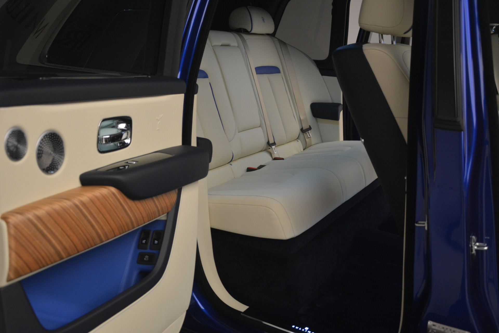 New 2019 Rolls-Royce Cullinan  For Sale In Greenwich, CT 2983_p16