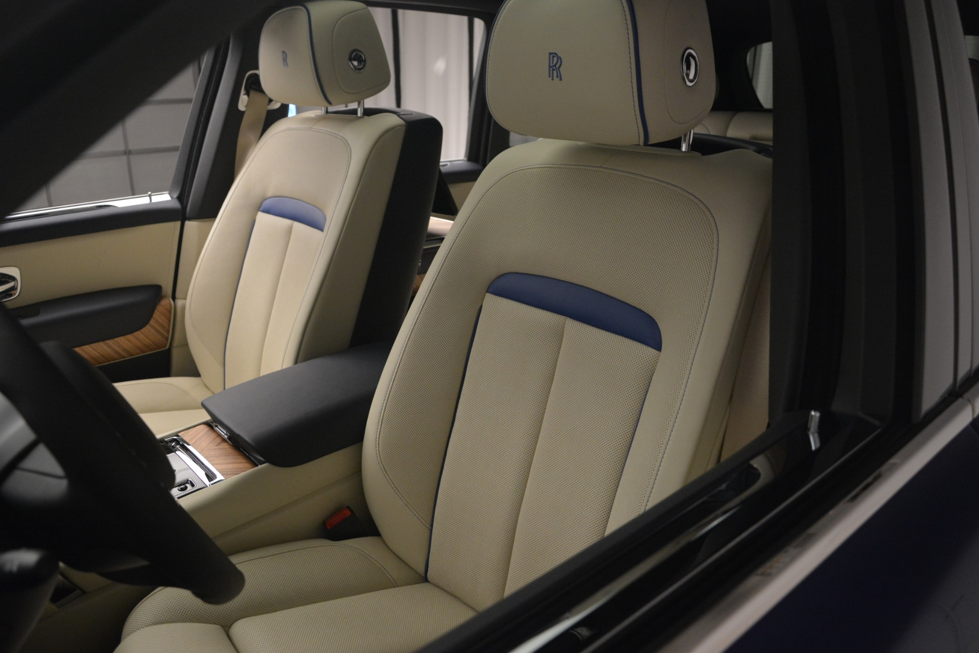 New 2019 Rolls-Royce Cullinan  For Sale In Greenwich, CT 2983_p24