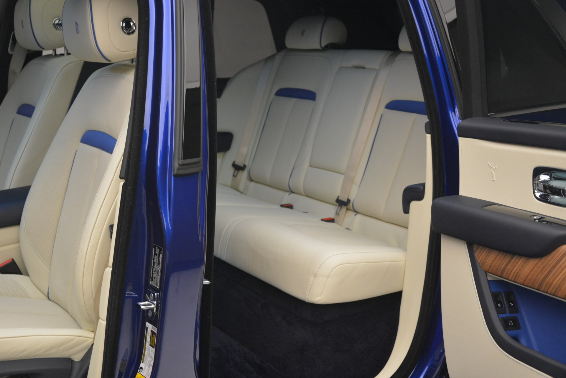 New 2019 Rolls-Royce Cullinan  For Sale In Greenwich, CT 2983_p29