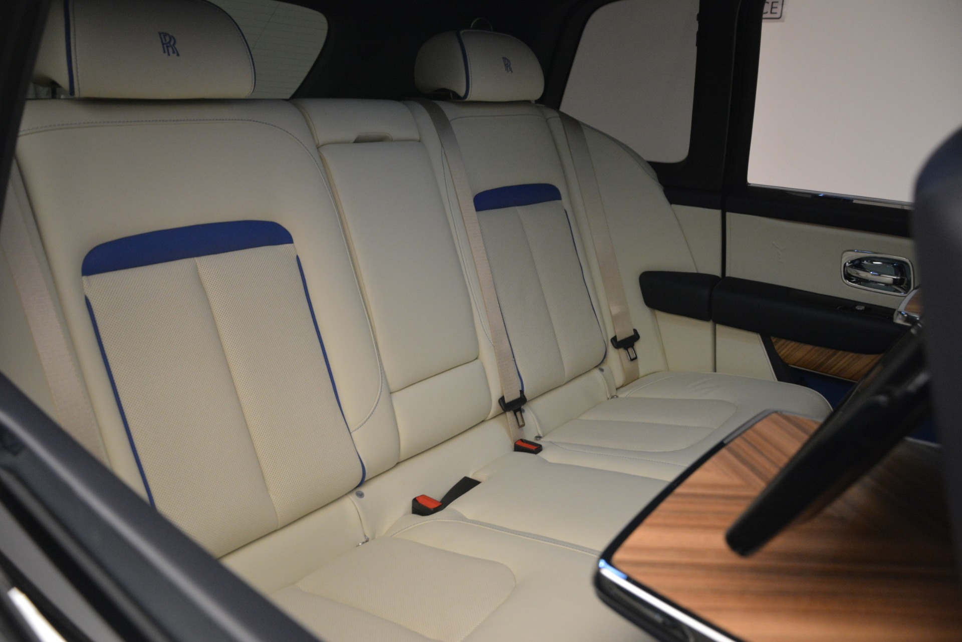New 2019 Rolls-Royce Cullinan  For Sale In Greenwich, CT 2983_p36
