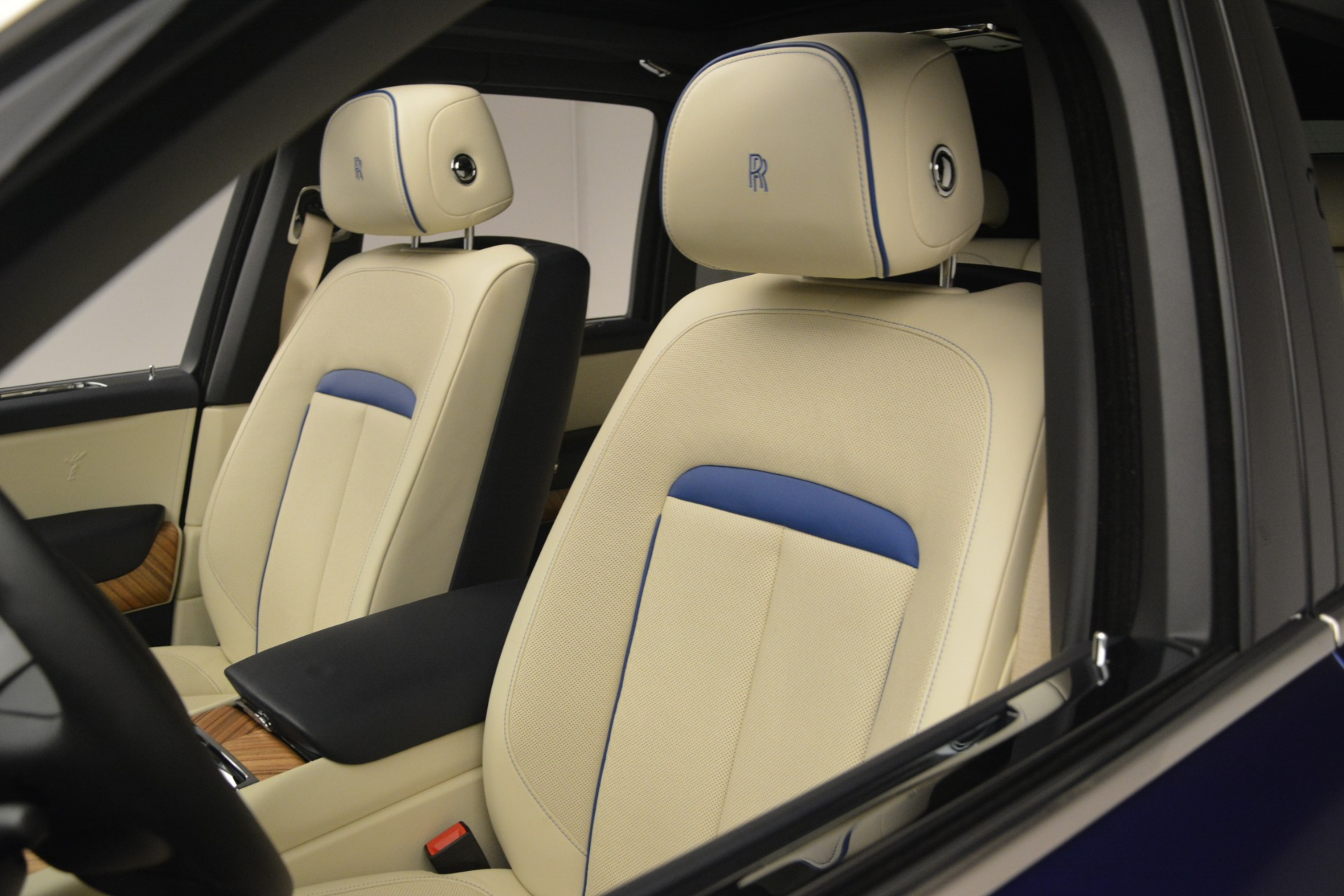 New 2019 Rolls-Royce Cullinan  For Sale In Greenwich, CT 2983_p45