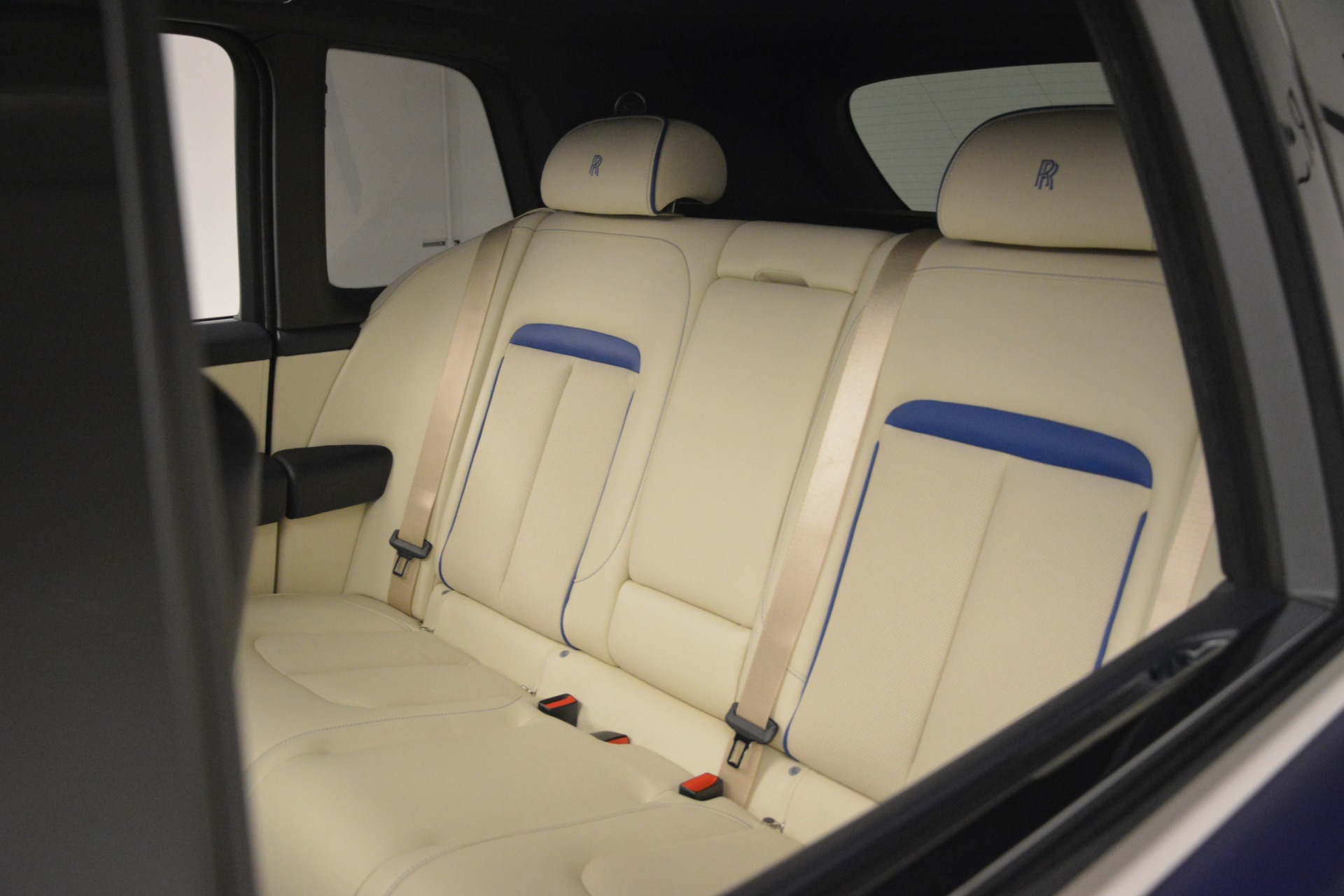 New 2019 Rolls-Royce Cullinan  For Sale In Greenwich, CT 2983_p46