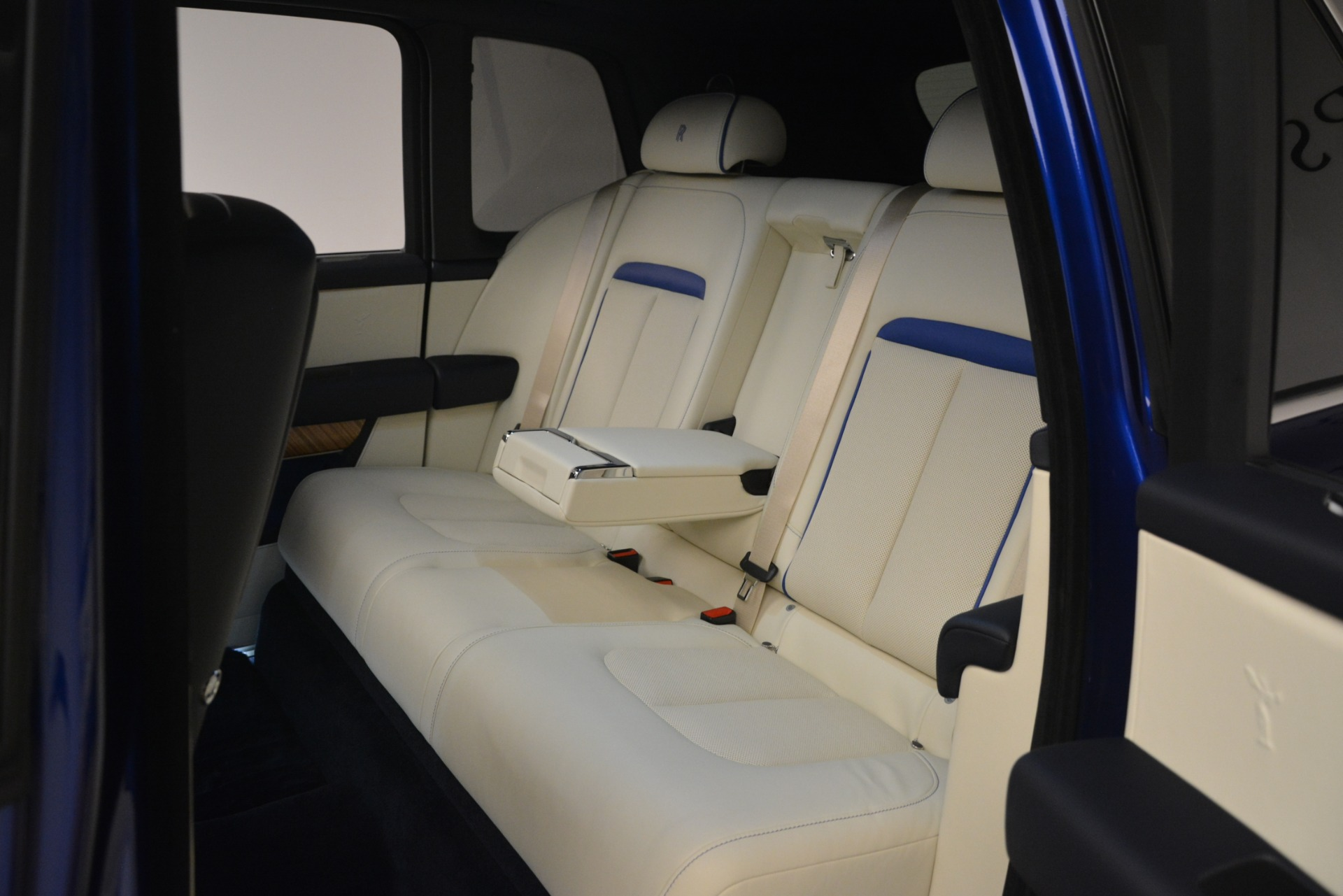 New 2019 Rolls-Royce Cullinan  For Sale In Greenwich, CT 2983_p50