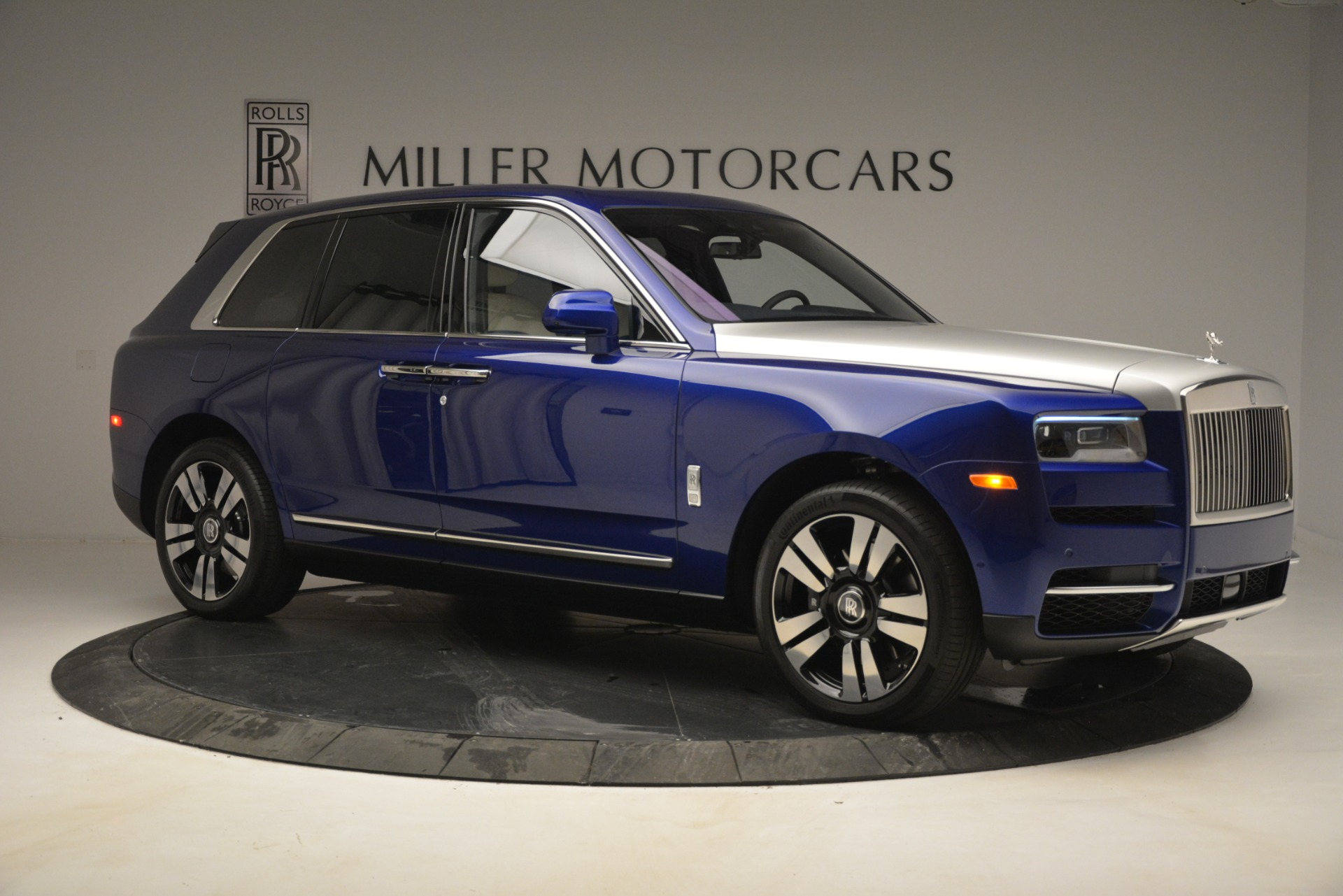 New 2019 Rolls-Royce Cullinan  For Sale In Greenwich, CT 2983_p8