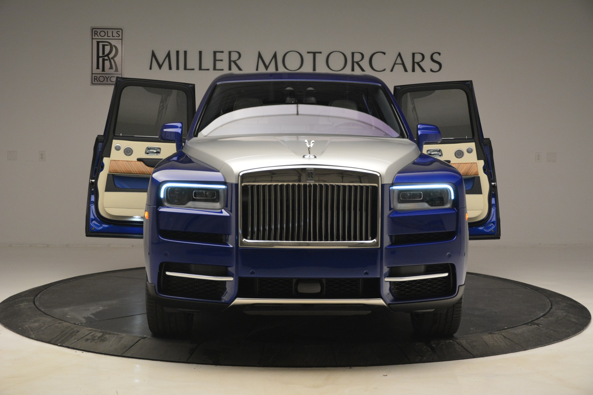 New 2019 Rolls-Royce Cullinan  For Sale In Greenwich, CT 2983_p9