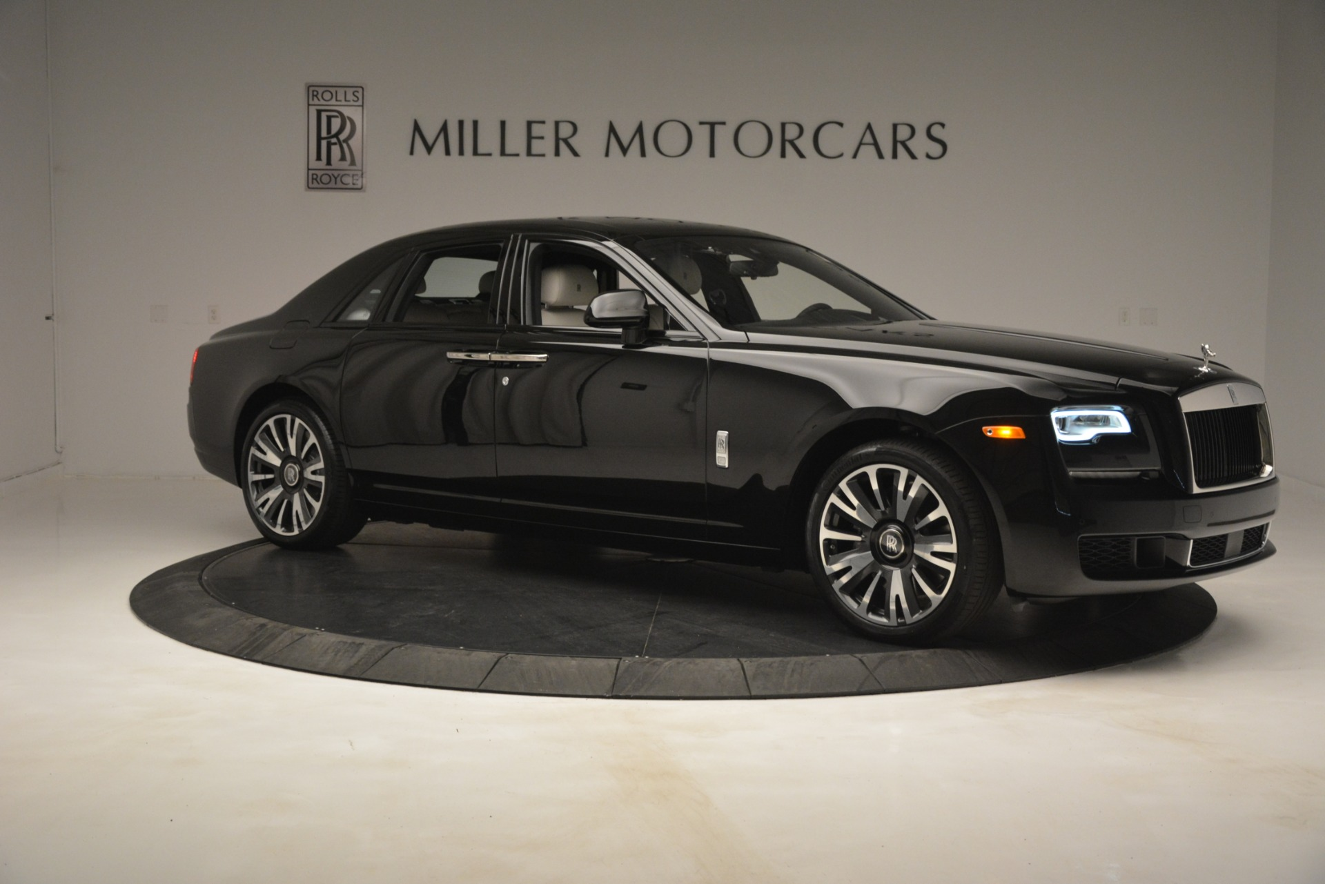New 2019 Rolls-Royce Ghost  For Sale In Greenwich, CT 2984_p10