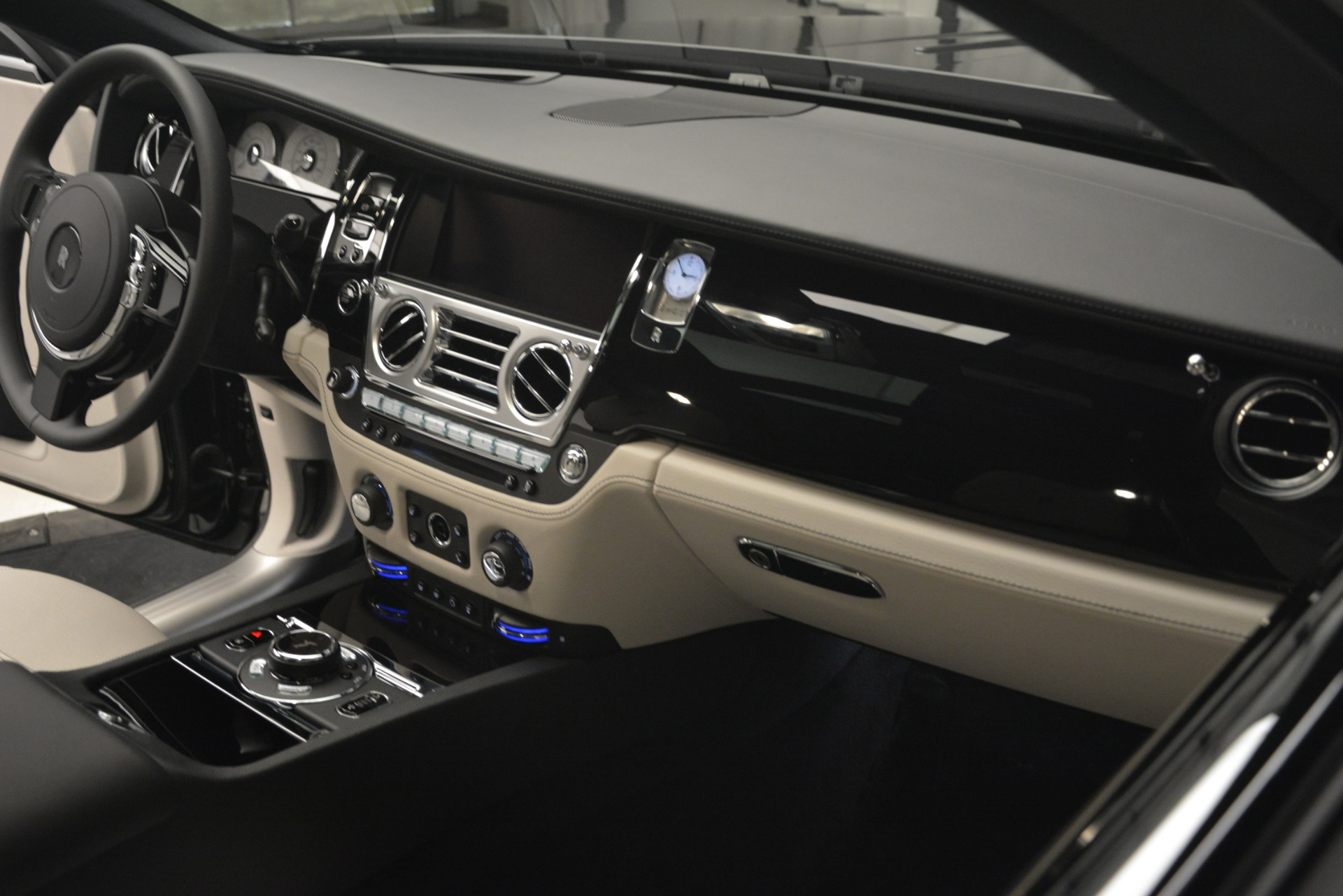 New 2019 Rolls-Royce Ghost  For Sale In Greenwich, CT 2984_p26
