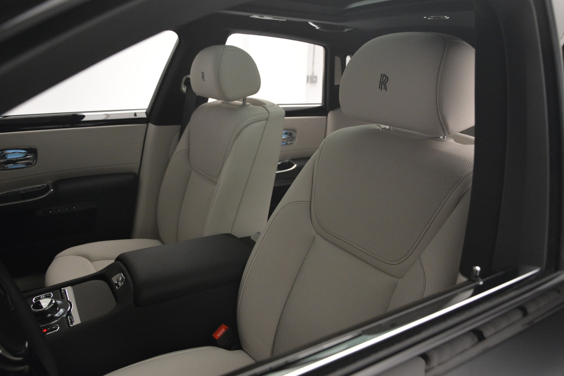 New 2019 Rolls-Royce Ghost  For Sale In Greenwich, CT 2984_p34