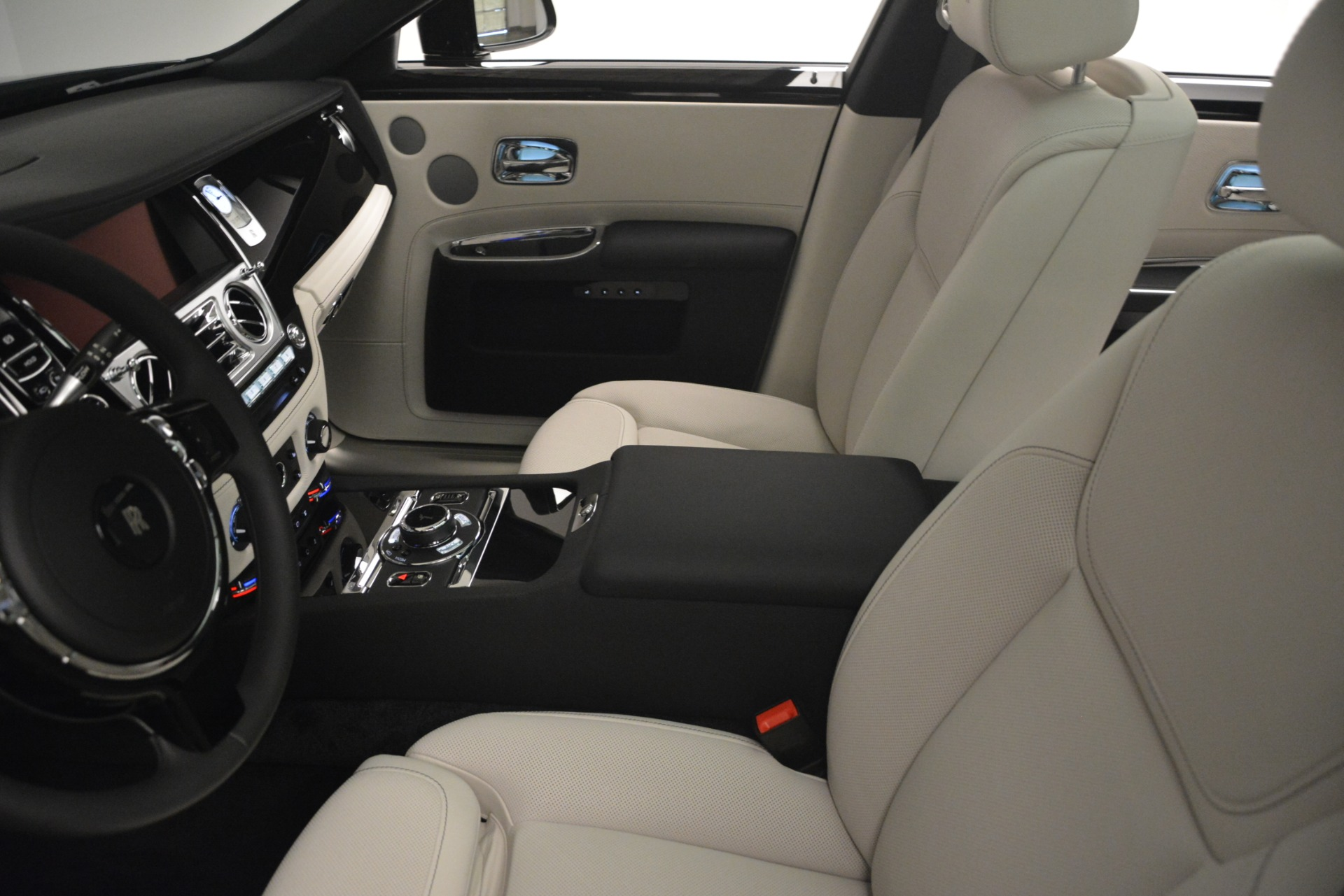 New 2019 Rolls-Royce Ghost  For Sale In Greenwich, CT 2984_p35