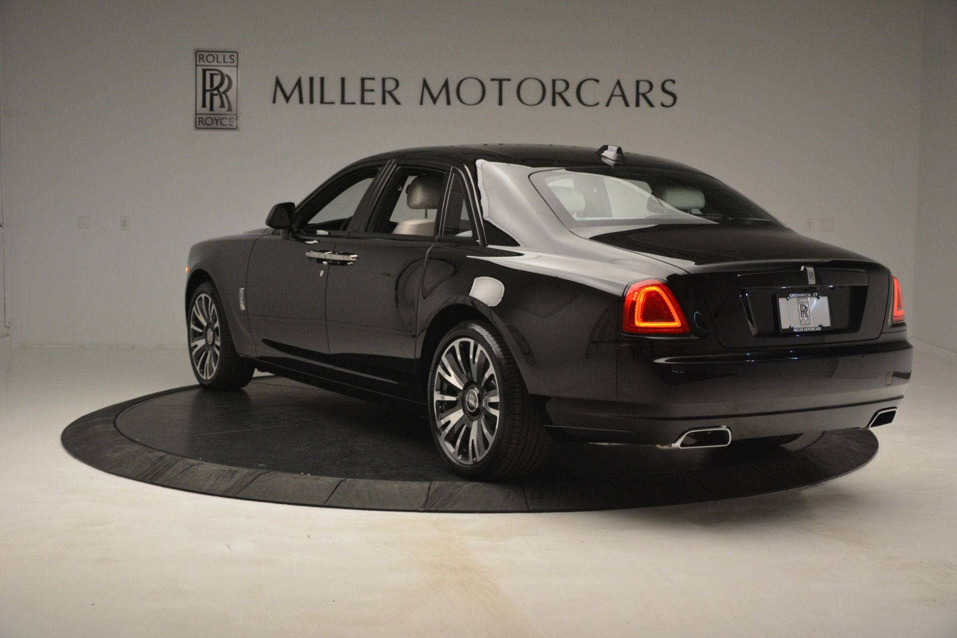 New 2019 Rolls-Royce Ghost  For Sale In Greenwich, CT 2984_p5
