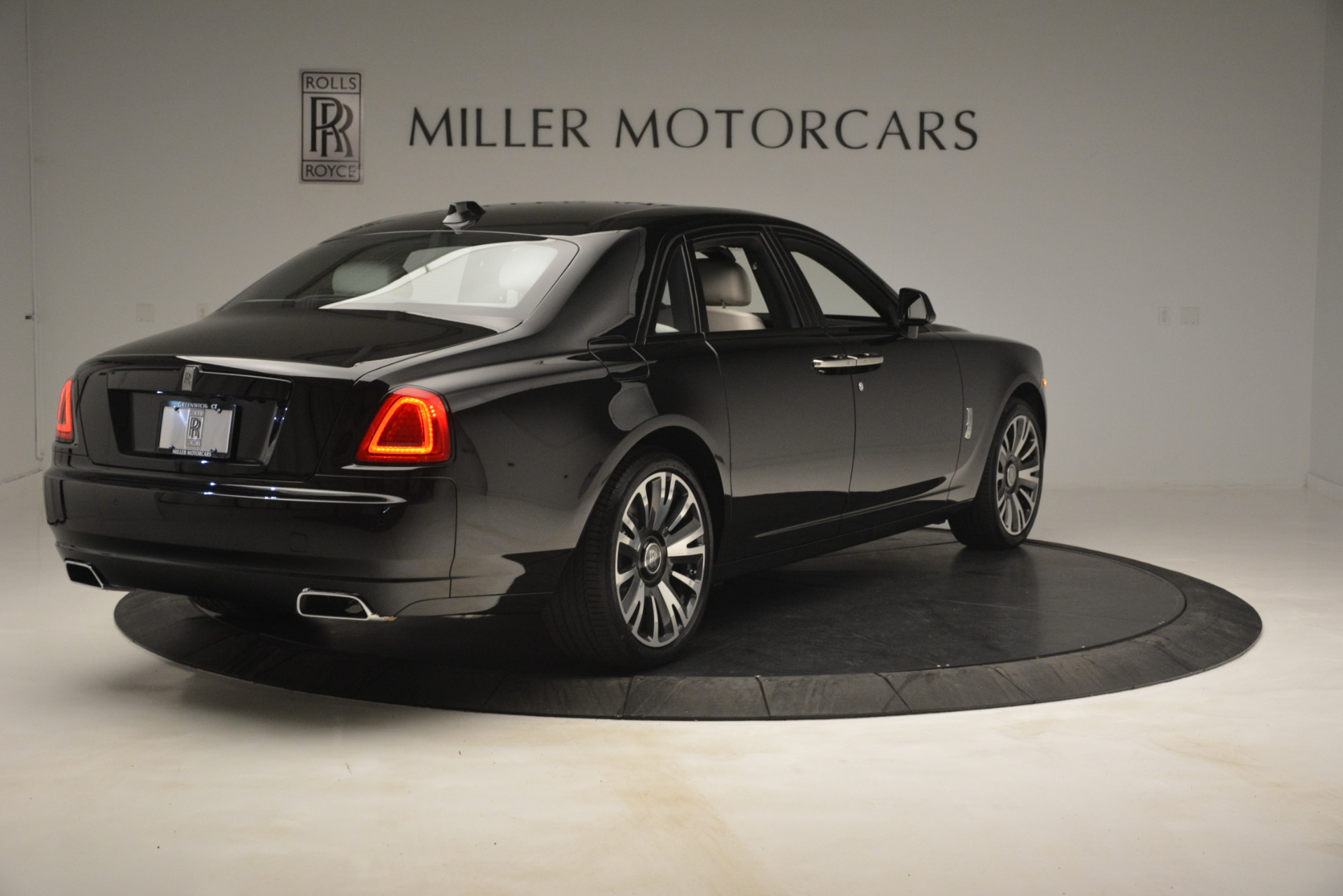 New 2019 Rolls-Royce Ghost  For Sale In Greenwich, CT 2984_p8