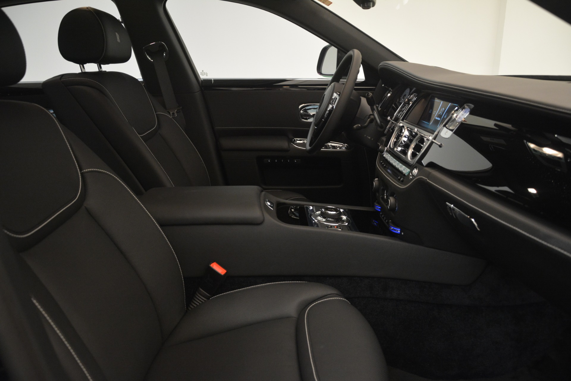 New 2019 Rolls-Royce Ghost  For Sale In Greenwich, CT 2985_p28
