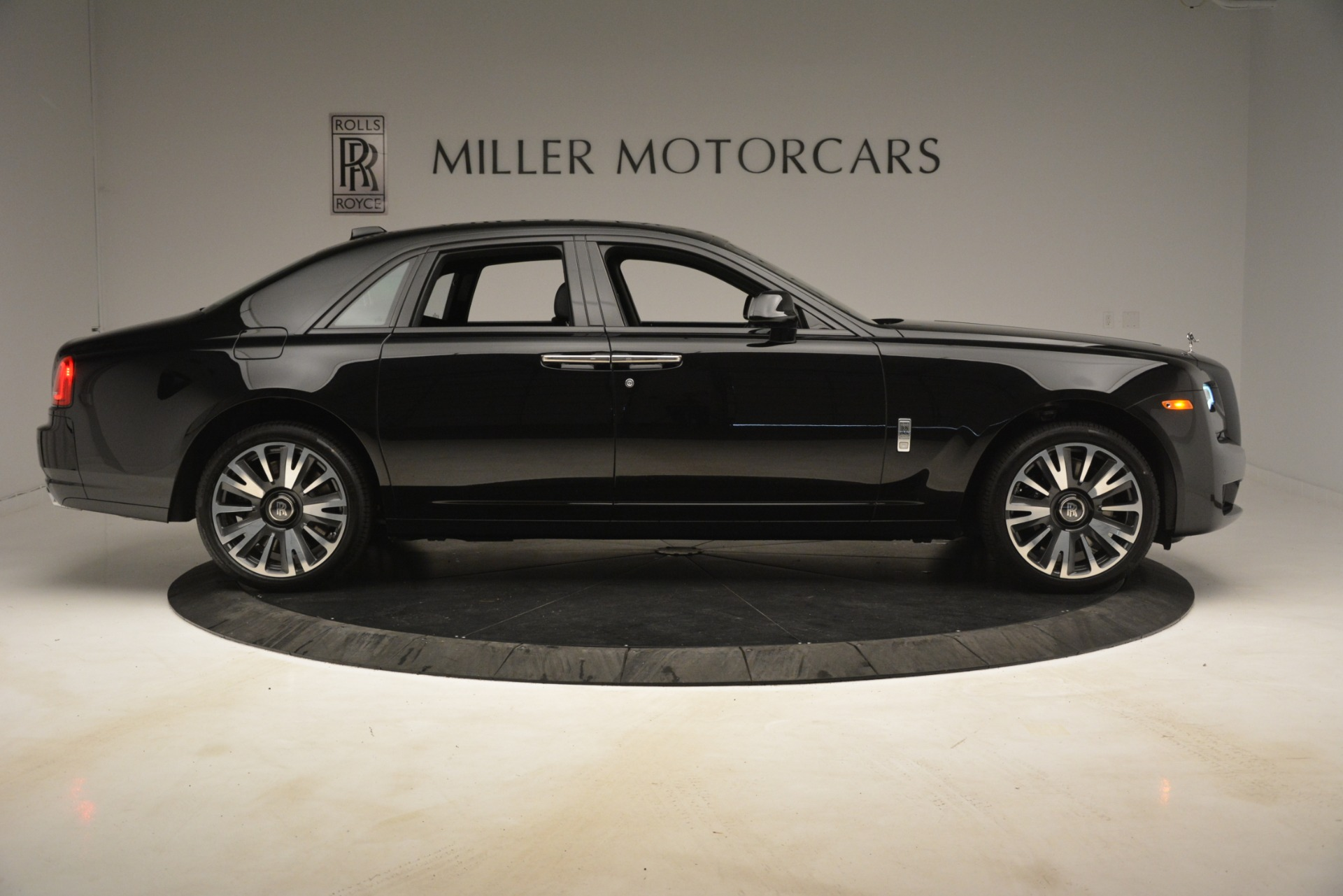New 2019 Rolls-Royce Ghost  For Sale In Greenwich, CT 2985_p9