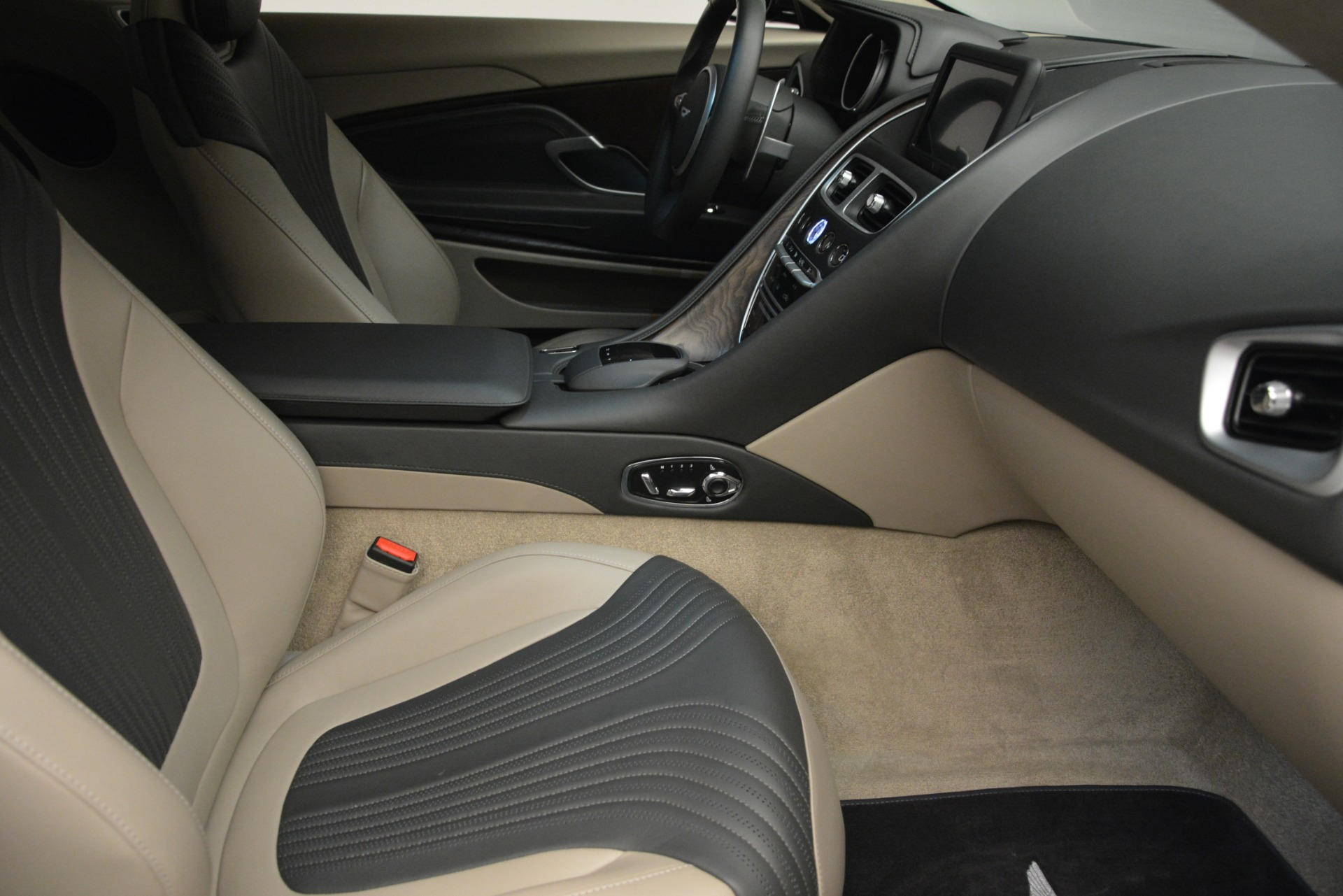 Used 2017 Aston Martin DB11 V12 Coupe For Sale In Greenwich, CT 2988_p20