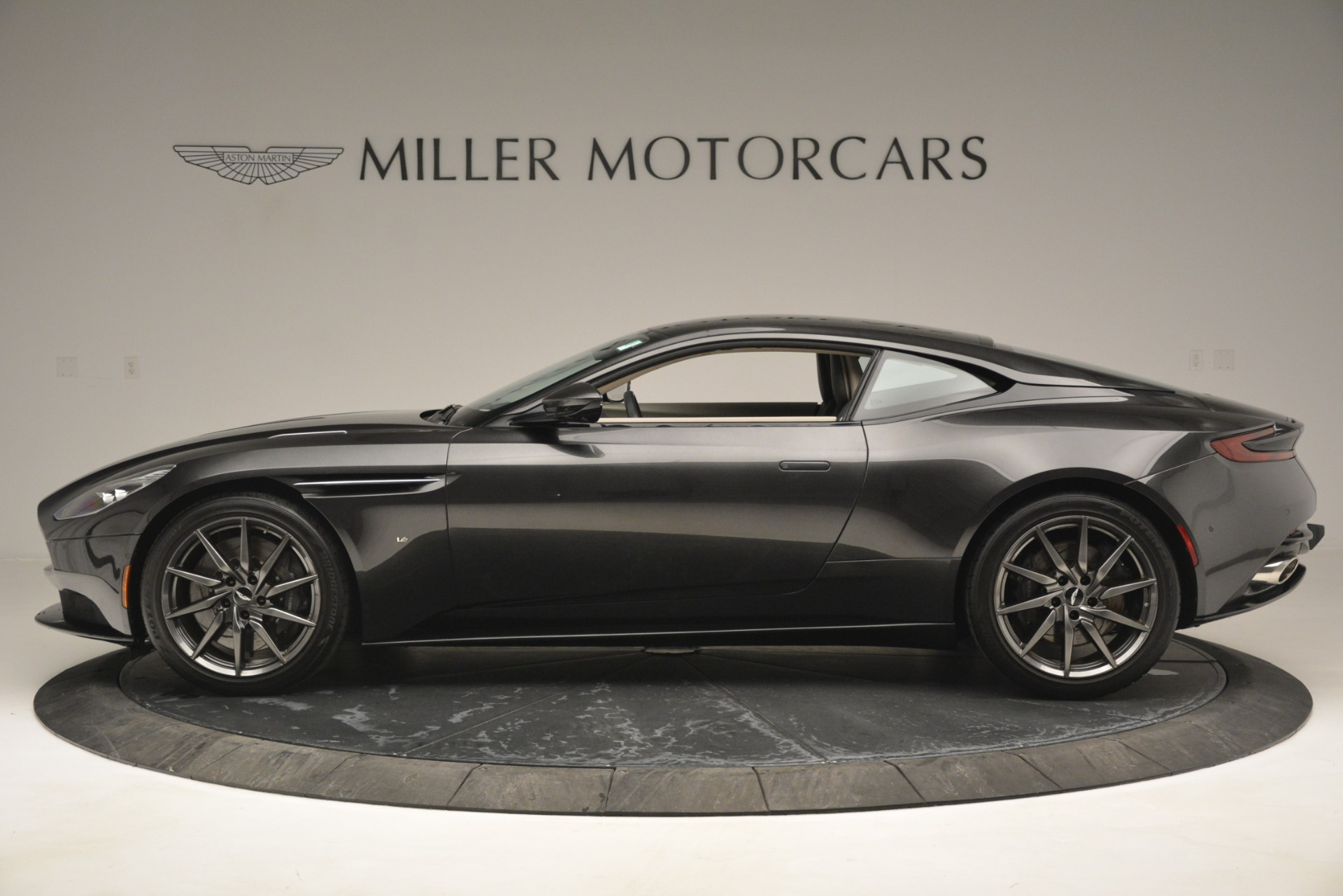 Used 2017 Aston Martin DB11 V12 Coupe For Sale In Greenwich, CT 2988_p3
