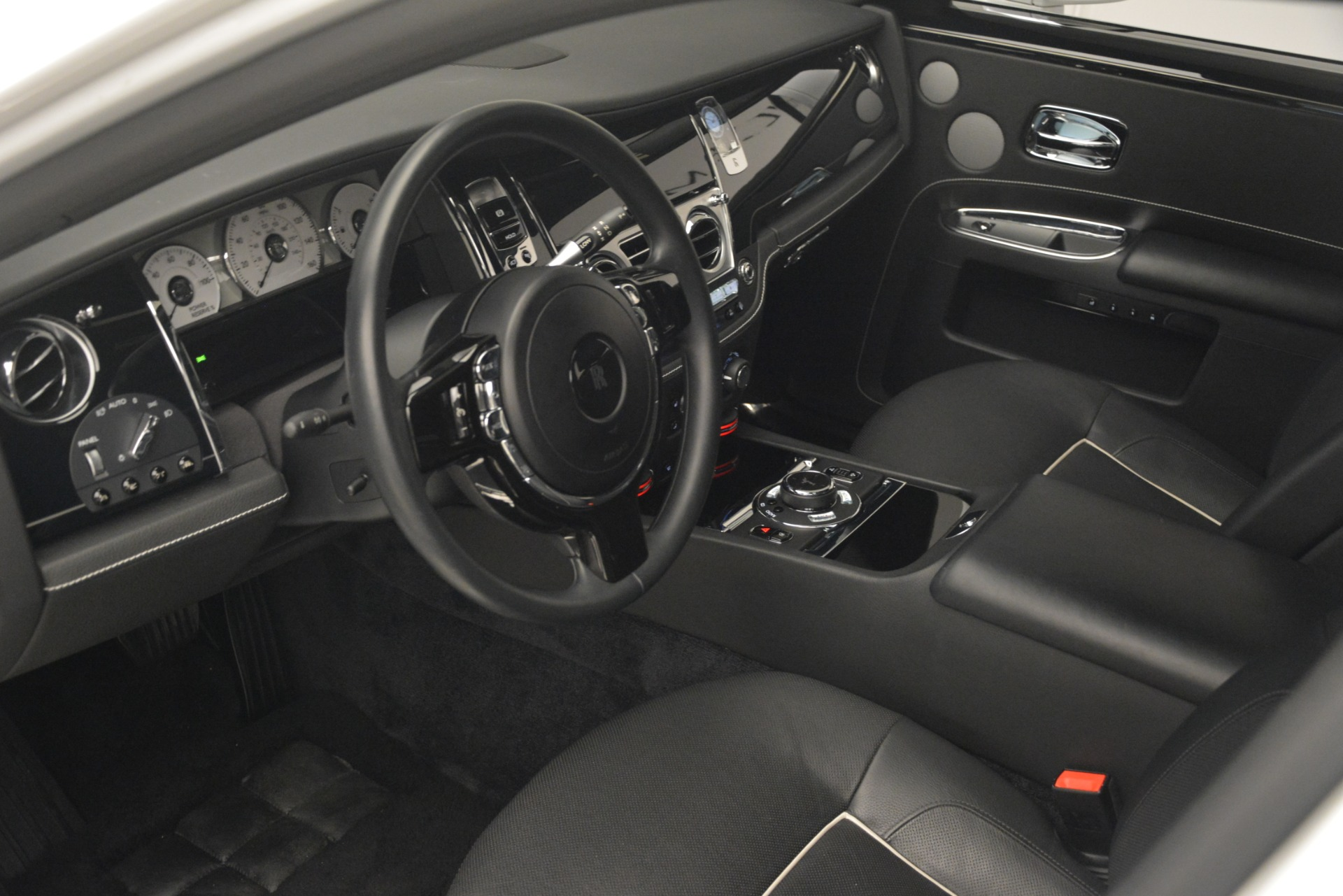 Used 2014 Rolls-Royce Ghost V-Spec For Sale In Greenwich, CT 2989_p14