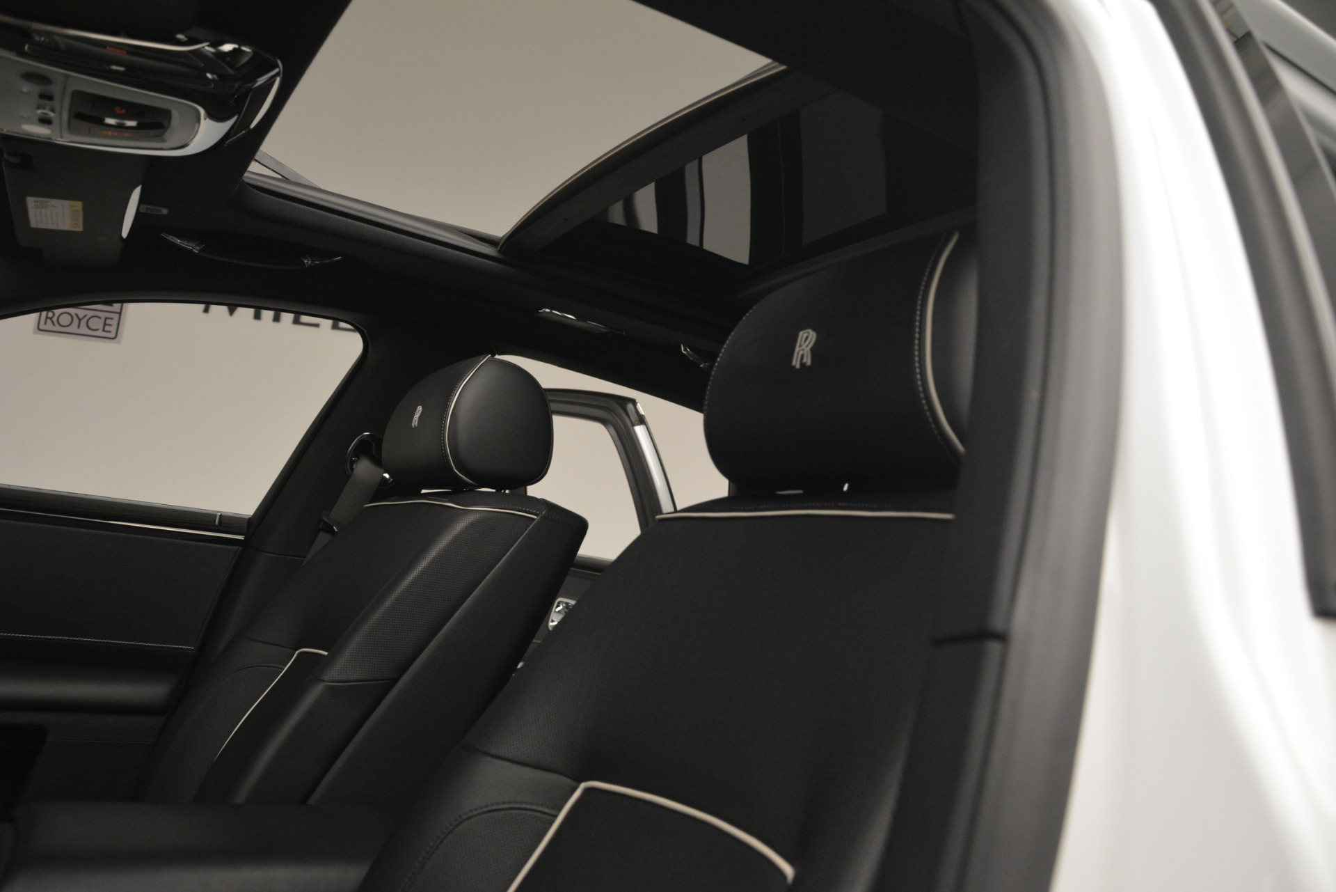 Used 2014 Rolls-Royce Ghost V-Spec For Sale In Greenwich, CT 2989_p15