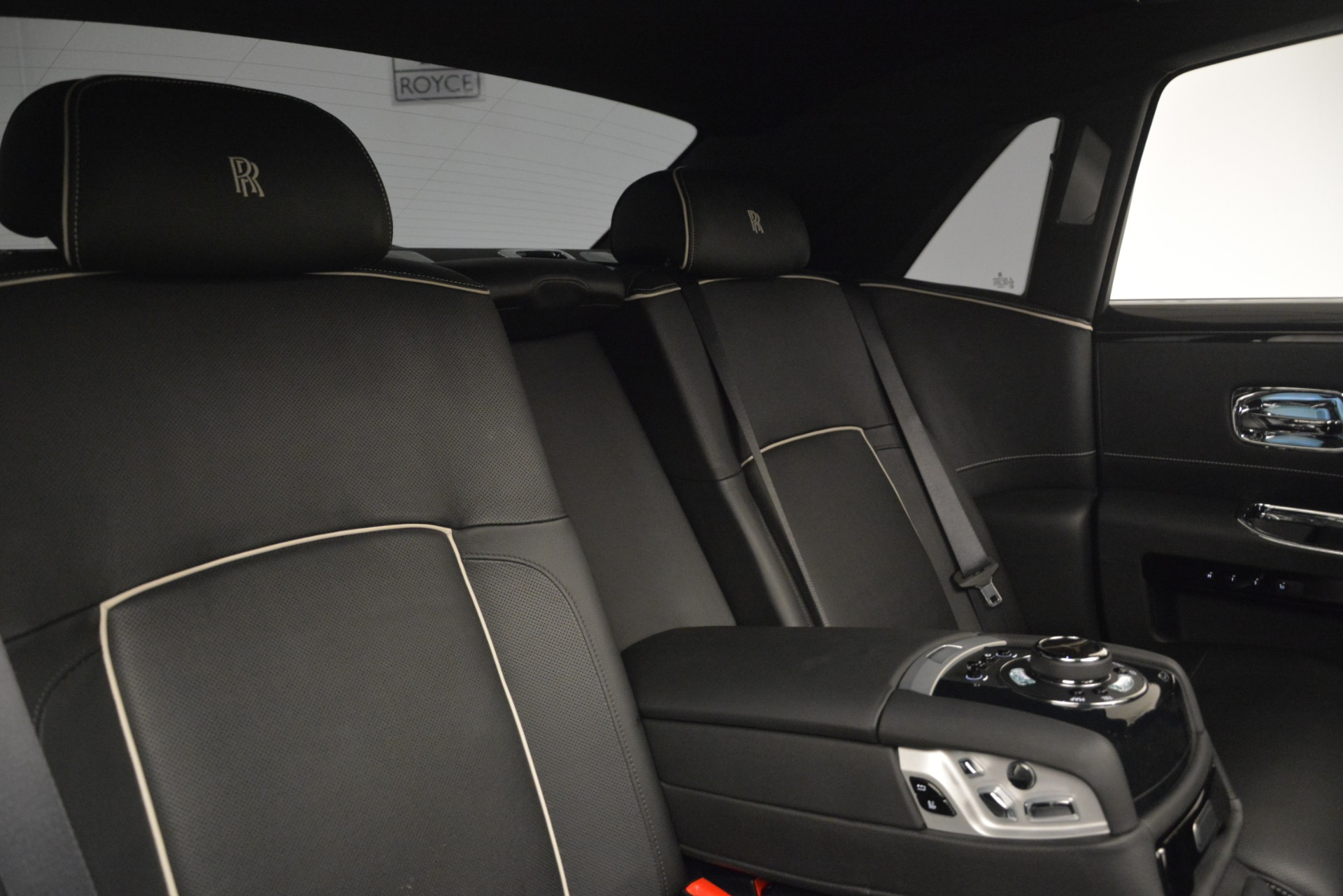 Used 2014 Rolls-Royce Ghost V-Spec For Sale In Greenwich, CT 2989_p25