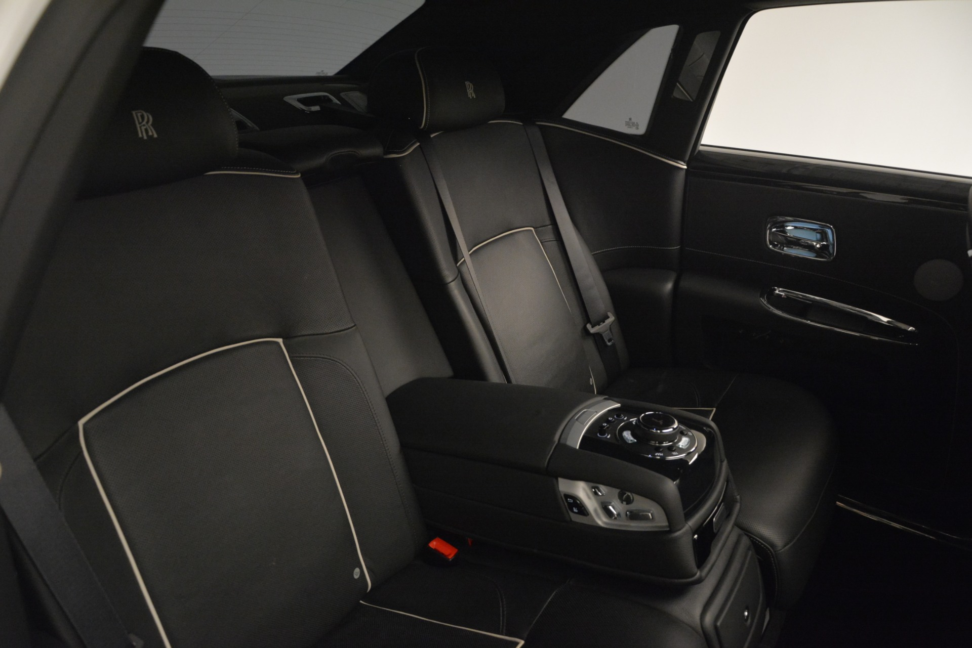Used 2014 Rolls-Royce Ghost V-Spec For Sale In Greenwich, CT 2989_p28