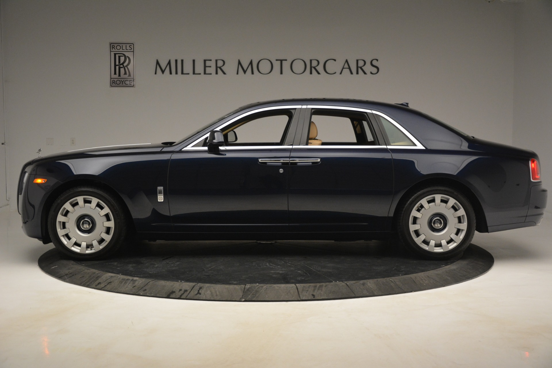 Used 2014 Rolls-Royce Ghost  For Sale In Greenwich, CT 2990_p4