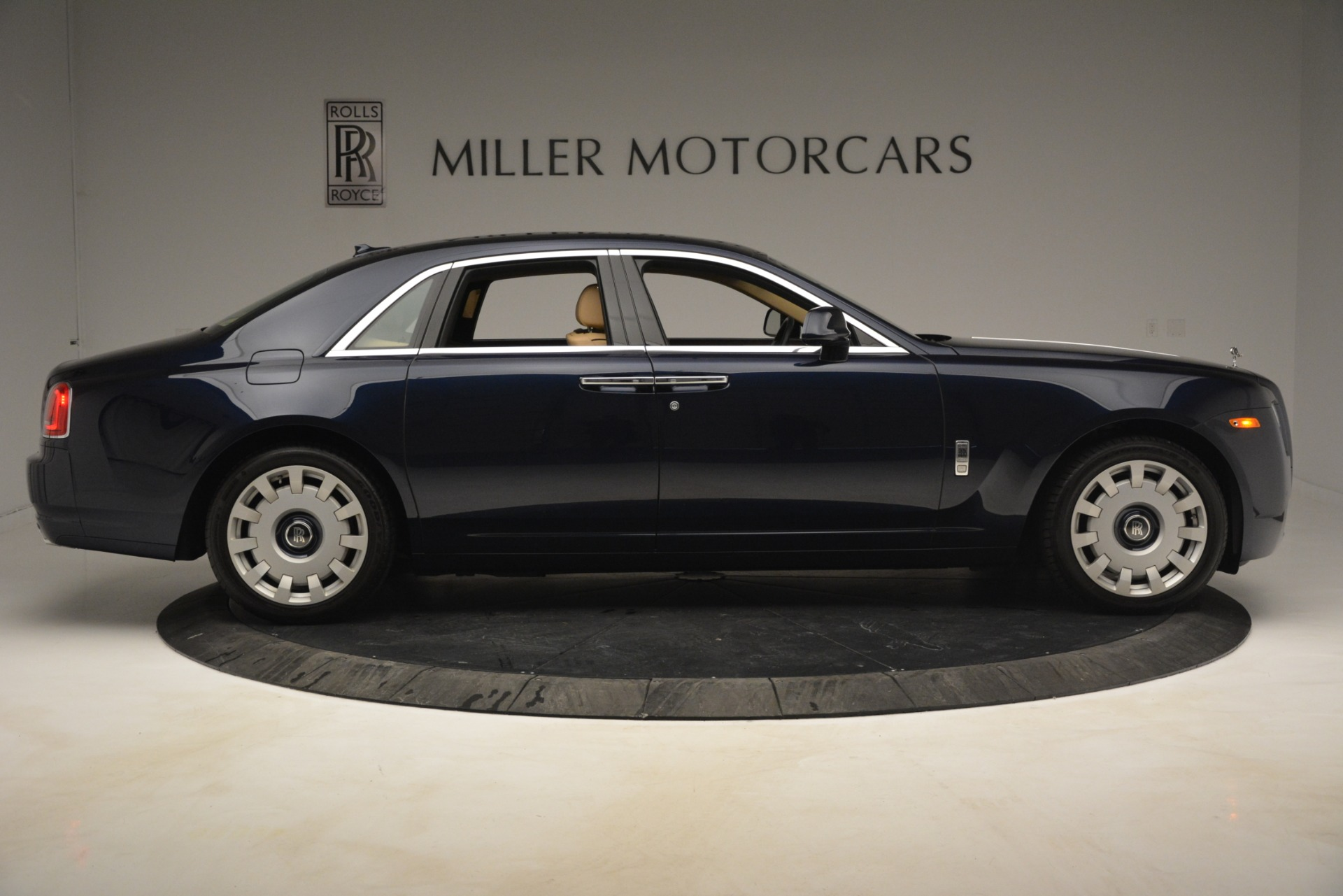 Used 2014 Rolls-Royce Ghost  For Sale In Greenwich, CT 2990_p9