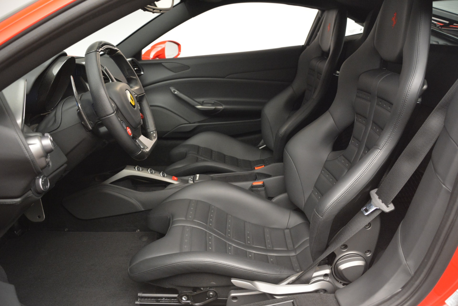 Used 2018 Ferrari 488 GTB  For Sale In Greenwich, CT 2991_p17