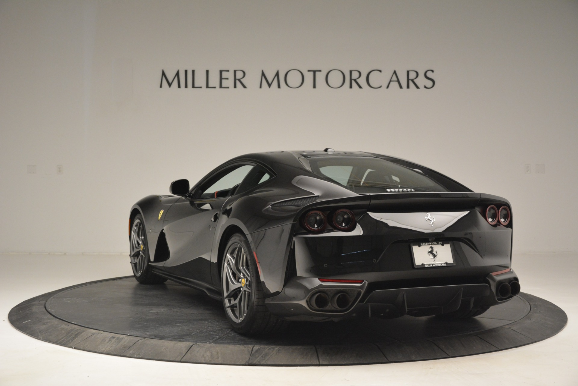 Used 2018 Ferrari 812 Superfast  For Sale In Greenwich, CT 2992_p5
