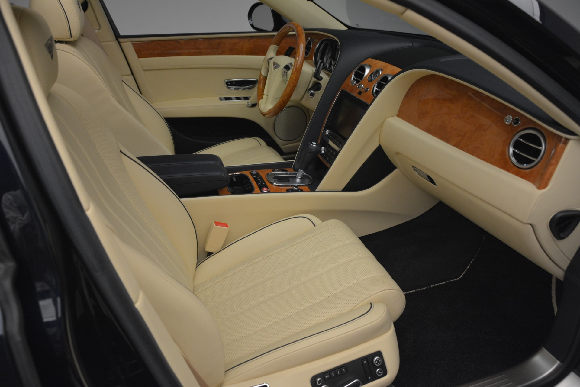 Used 2015 Bentley Flying Spur V8 For Sale In Greenwich, CT 2997_p29