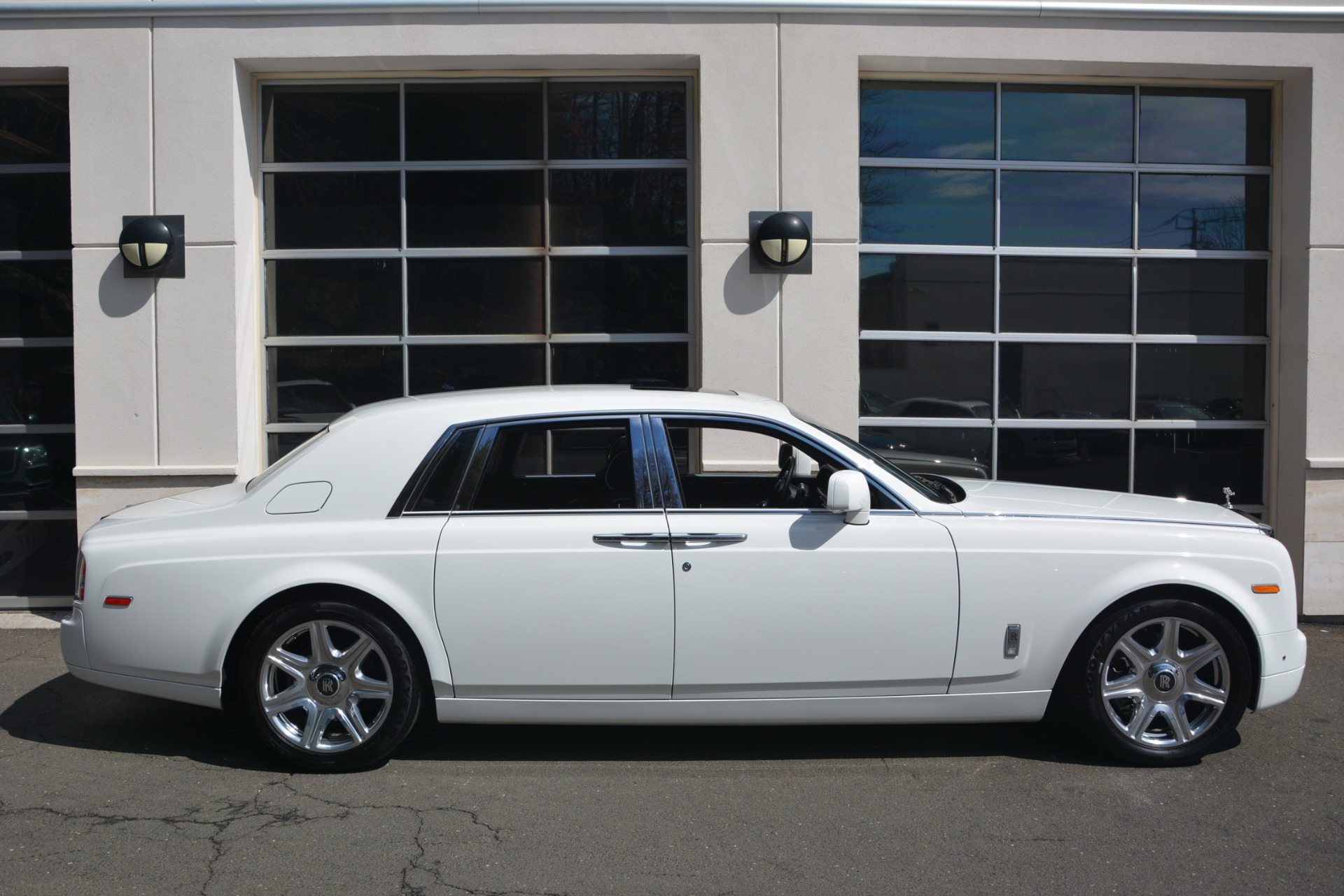 Used 2014 Rolls-Royce Phantom  For Sale In Greenwich, CT 2998_p10