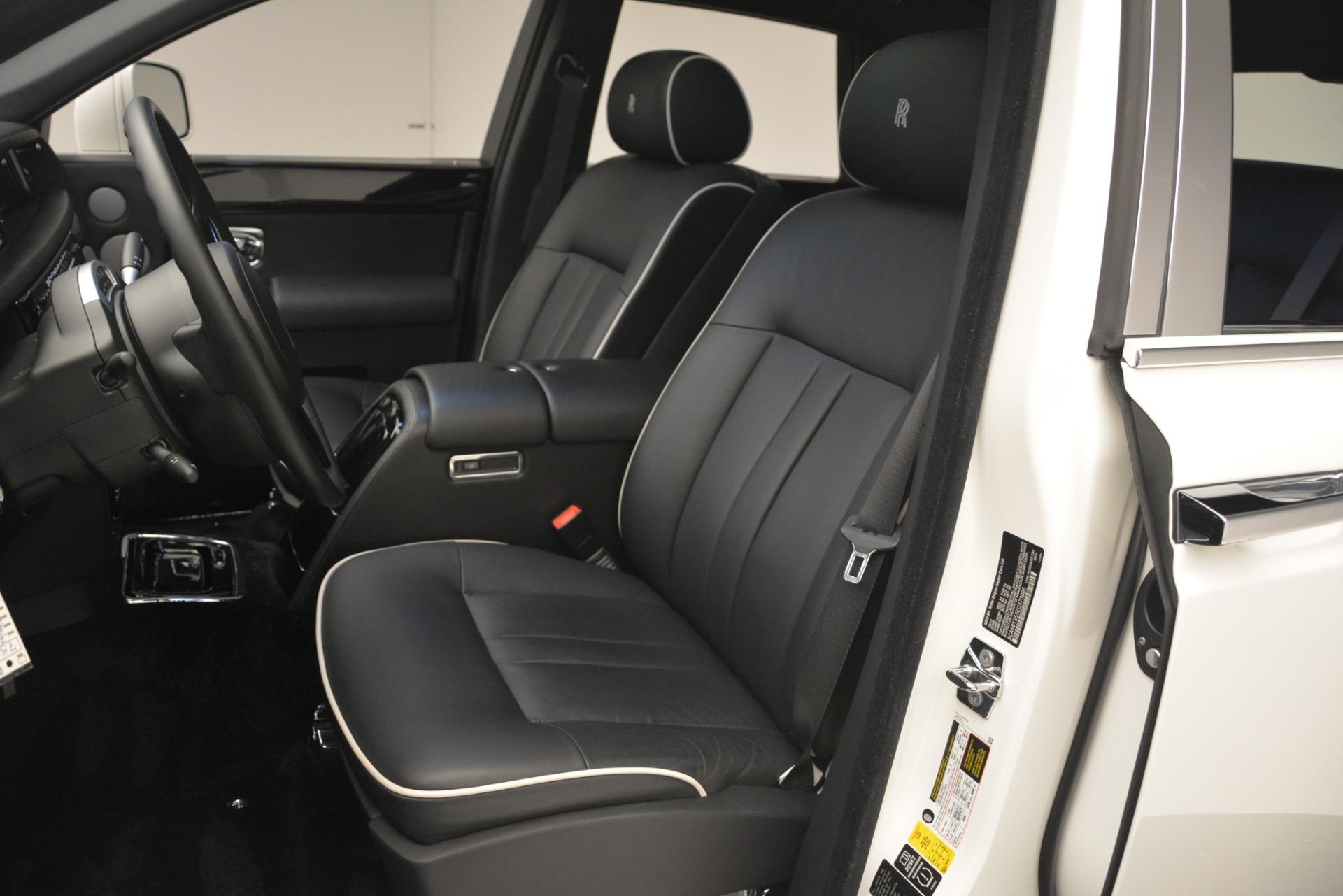 Used 2014 Rolls-Royce Phantom  For Sale In Greenwich, CT 2998_p17