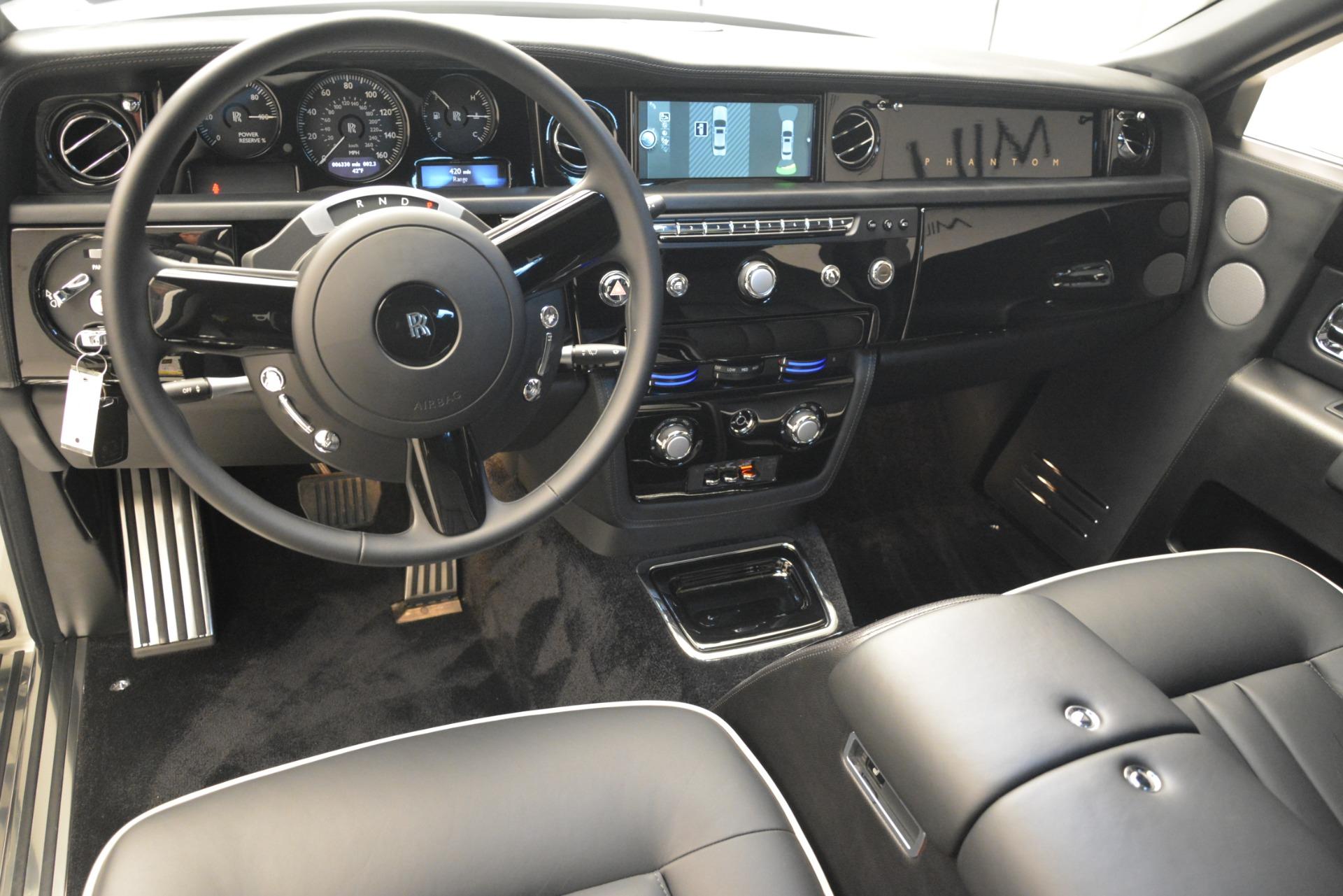 Used 2014 Rolls-Royce Phantom  For Sale In Greenwich, CT 2998_p18