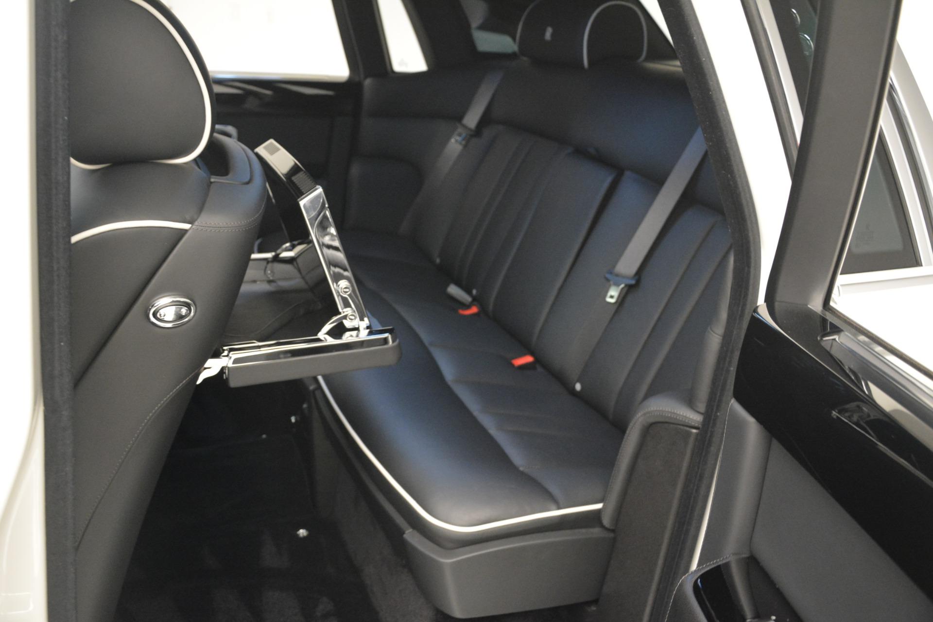 Used 2014 Rolls-Royce Phantom  For Sale In Greenwich, CT 2998_p21