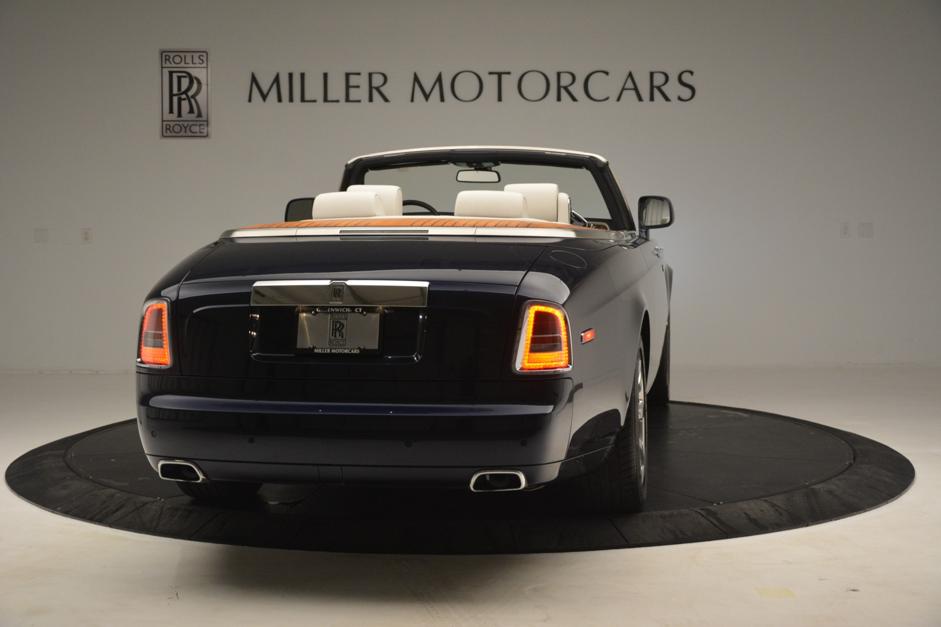 Used 2013 Rolls-Royce Phantom Drophead Coupe  For Sale In Greenwich, CT 2999_p10