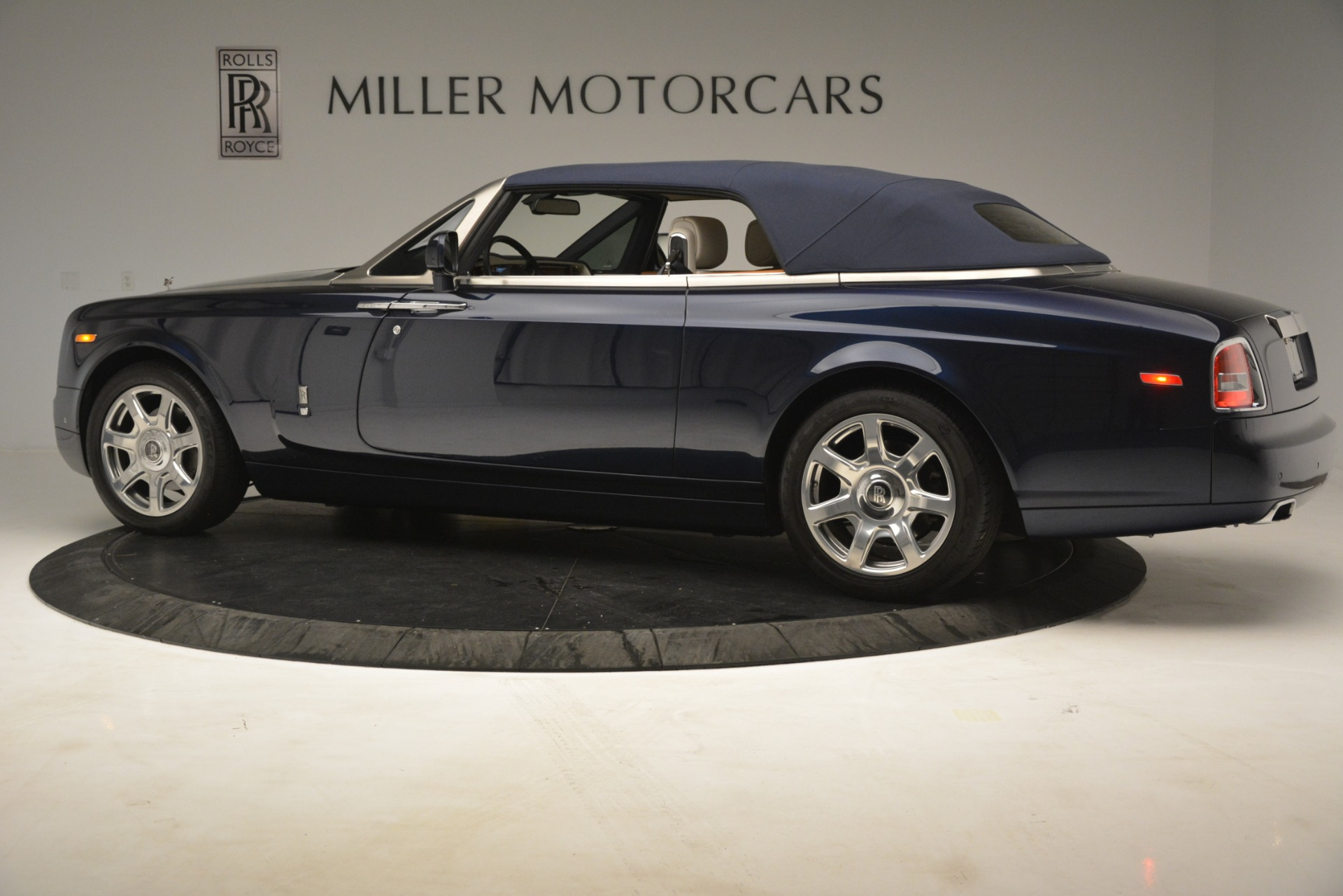 Used 2013 Rolls-Royce Phantom Drophead Coupe  For Sale In Greenwich, CT 2999_p19