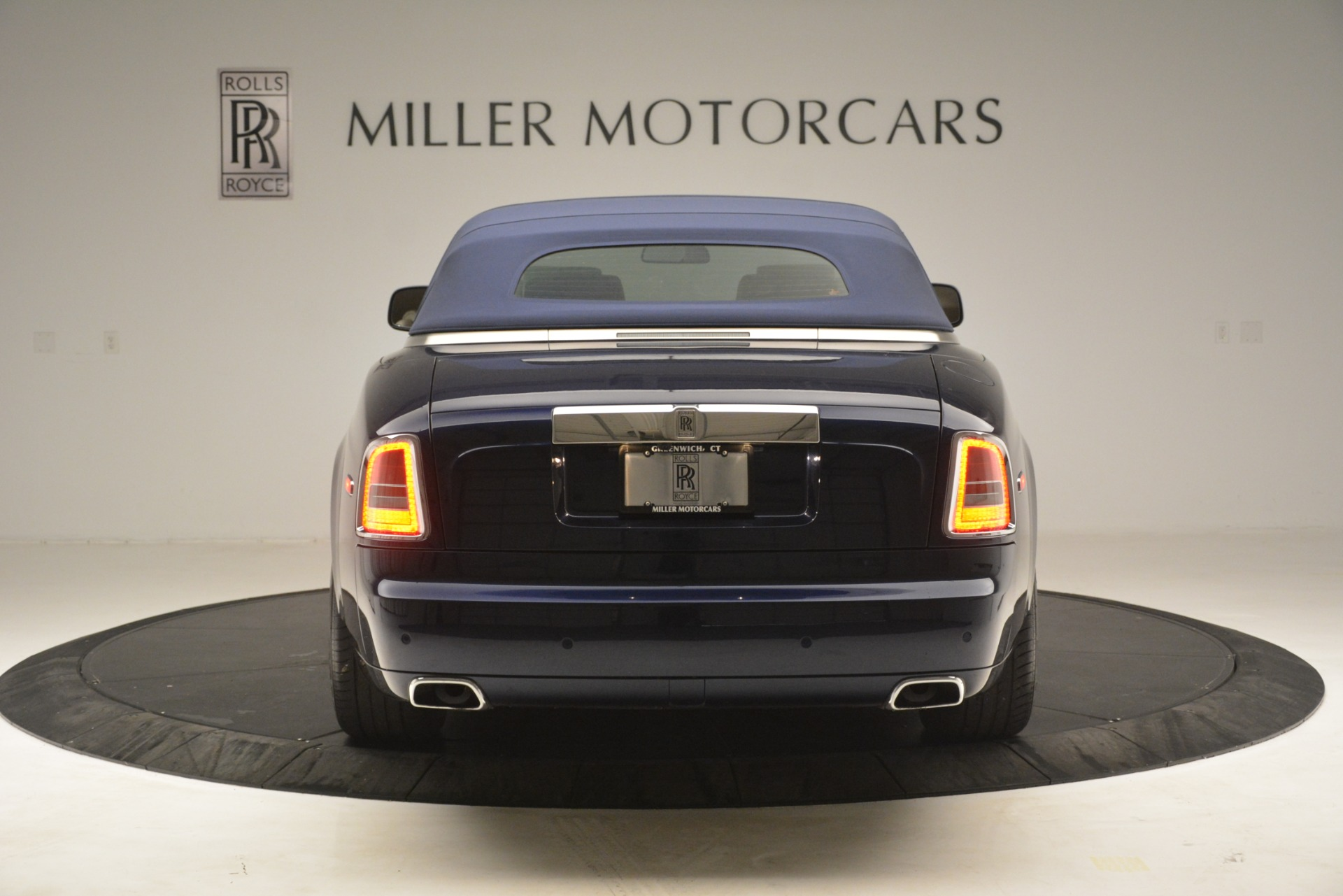 Used 2013 Rolls-Royce Phantom Drophead Coupe  For Sale In Greenwich, CT 2999_p22