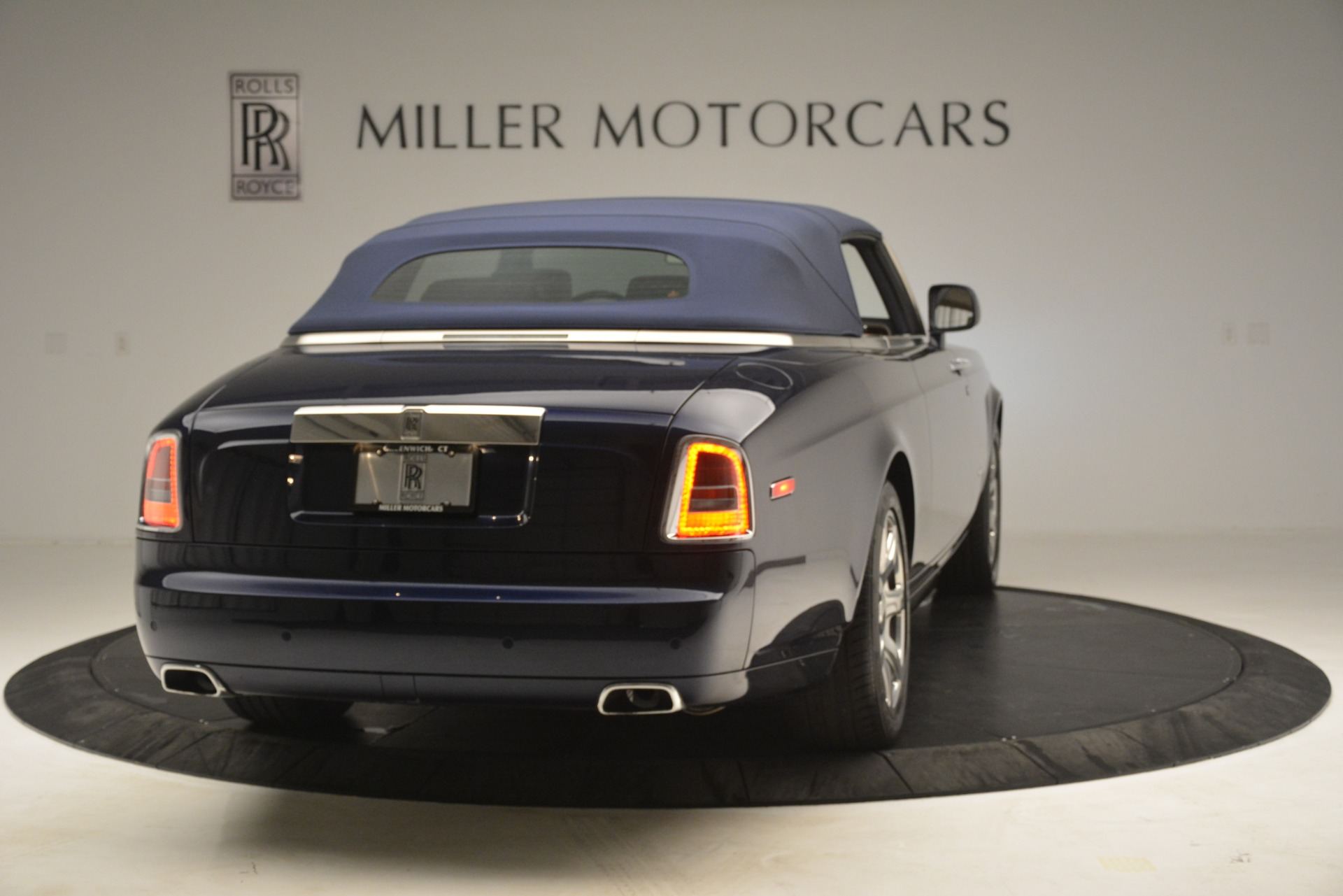 Used 2013 Rolls-Royce Phantom Drophead Coupe  For Sale In Greenwich, CT 2999_p23