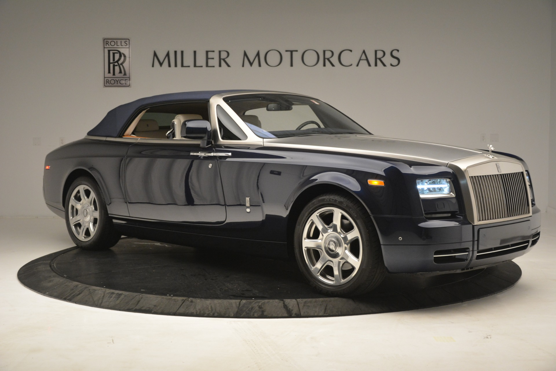 Used 2013 Rolls-Royce Phantom Drophead Coupe  For Sale In Greenwich, CT 2999_p26
