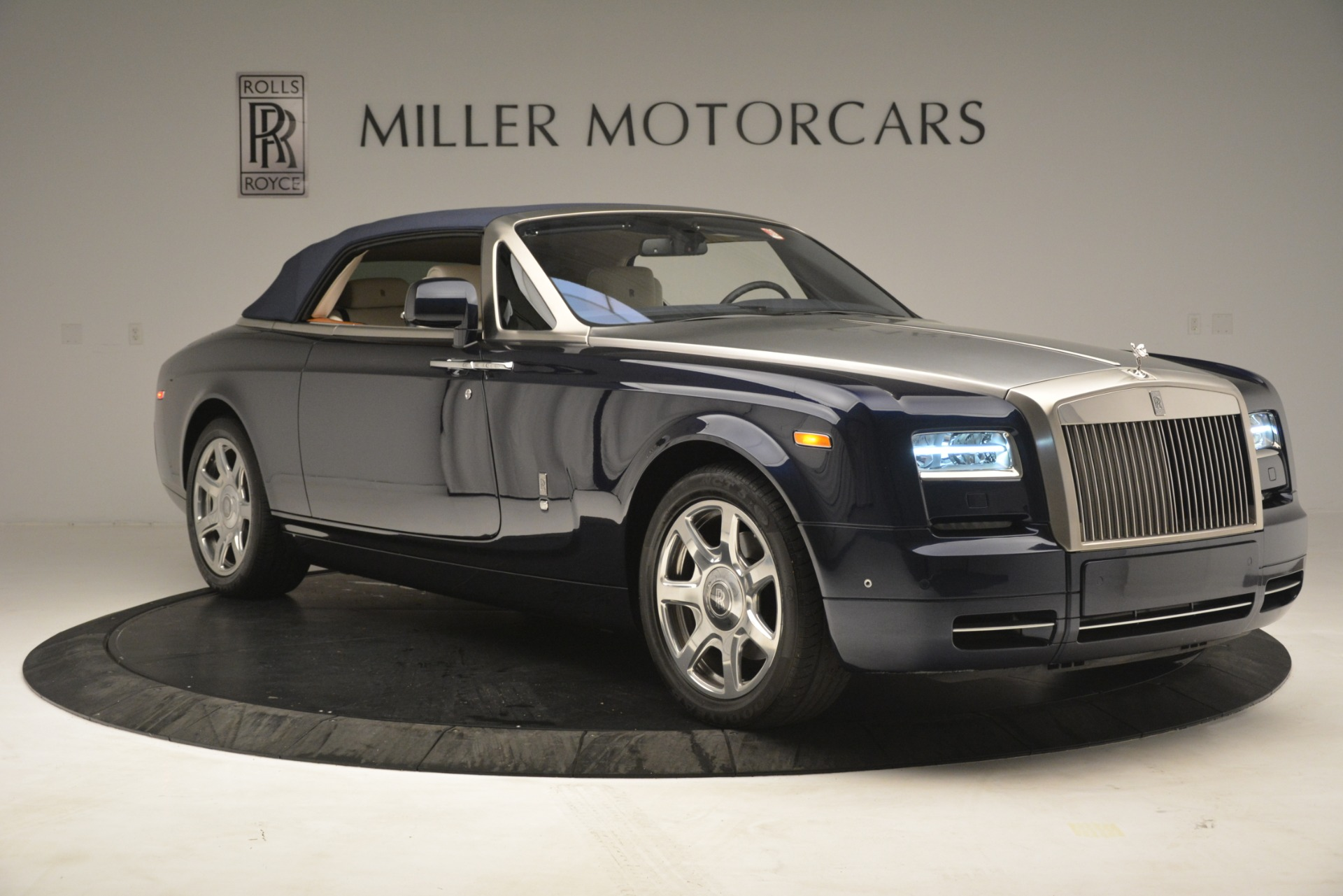 Used 2013 Rolls-Royce Phantom Drophead Coupe  For Sale In Greenwich, CT 2999_p27