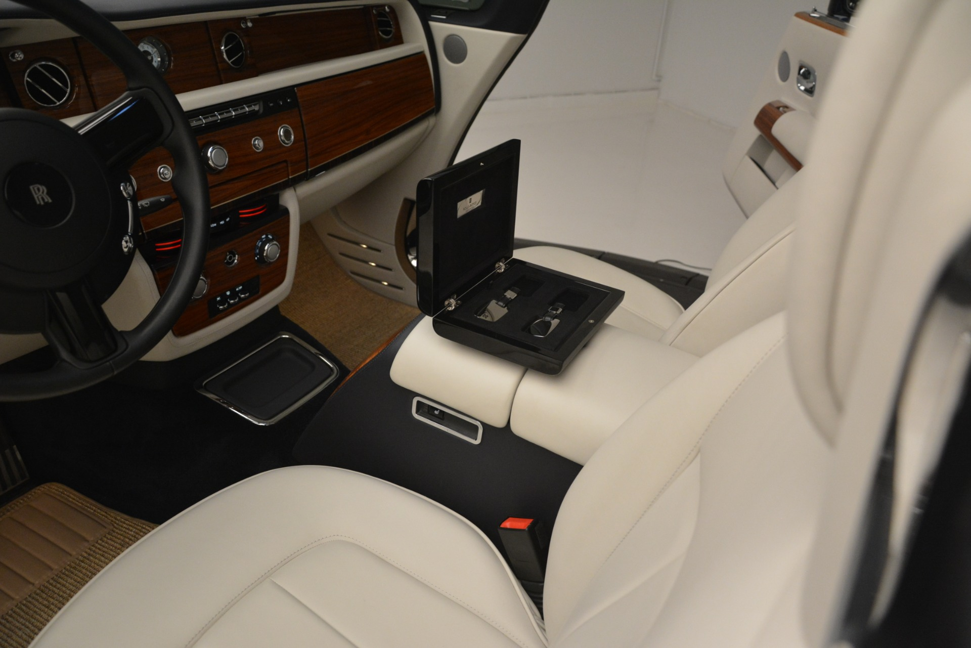 Used 2013 Rolls-Royce Phantom Drophead Coupe  For Sale In Greenwich, CT 2999_p30