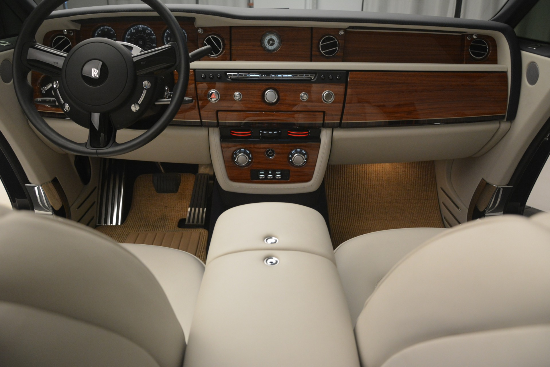 Used 2013 Rolls-Royce Phantom Drophead Coupe  For Sale In Greenwich, CT 2999_p34