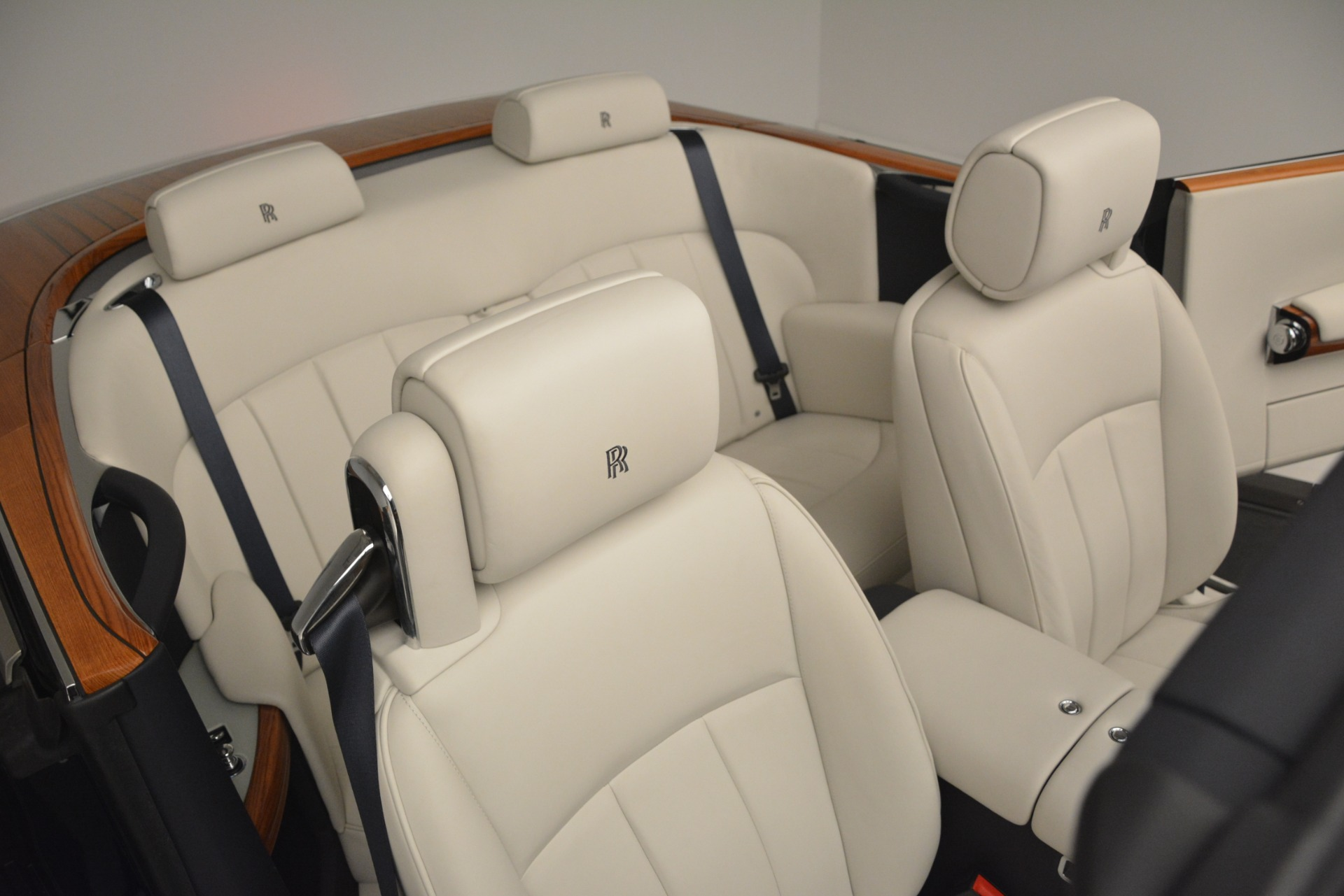 Used 2013 Rolls-Royce Phantom Drophead Coupe  For Sale In Greenwich, CT 2999_p36