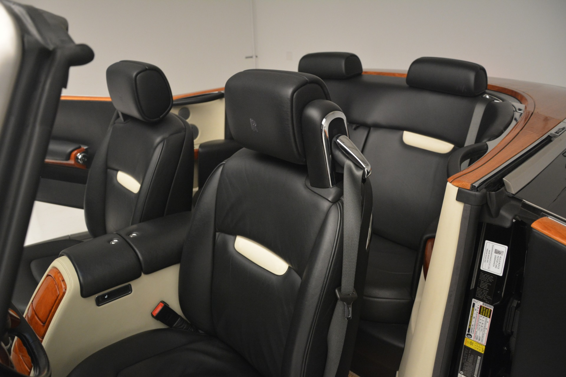 Used 2008 Rolls-Royce Phantom Drophead Coupe  For Sale In Greenwich, CT 3000_p19