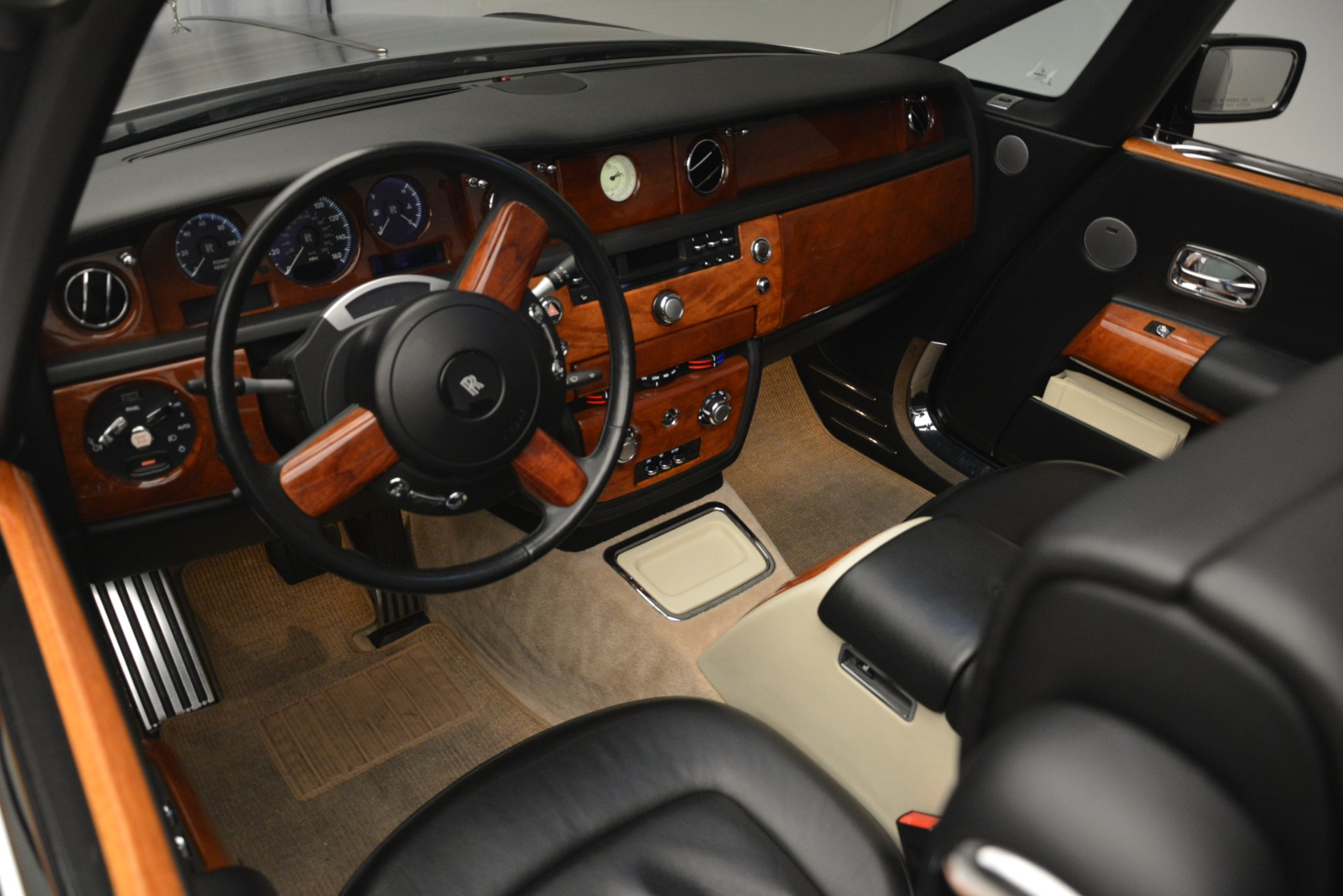 Used 2008 Rolls-Royce Phantom Drophead Coupe  For Sale In Greenwich, CT 3000_p22