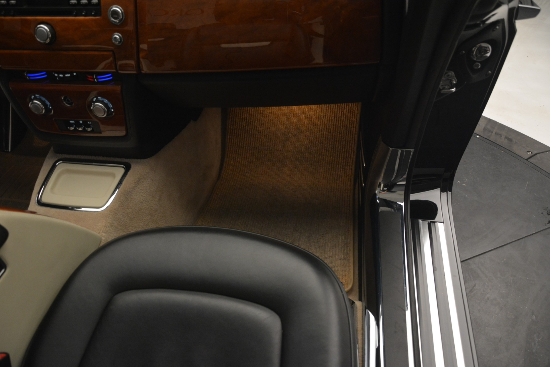 Used 2008 Rolls-Royce Phantom Drophead Coupe  For Sale In Greenwich, CT 3000_p26