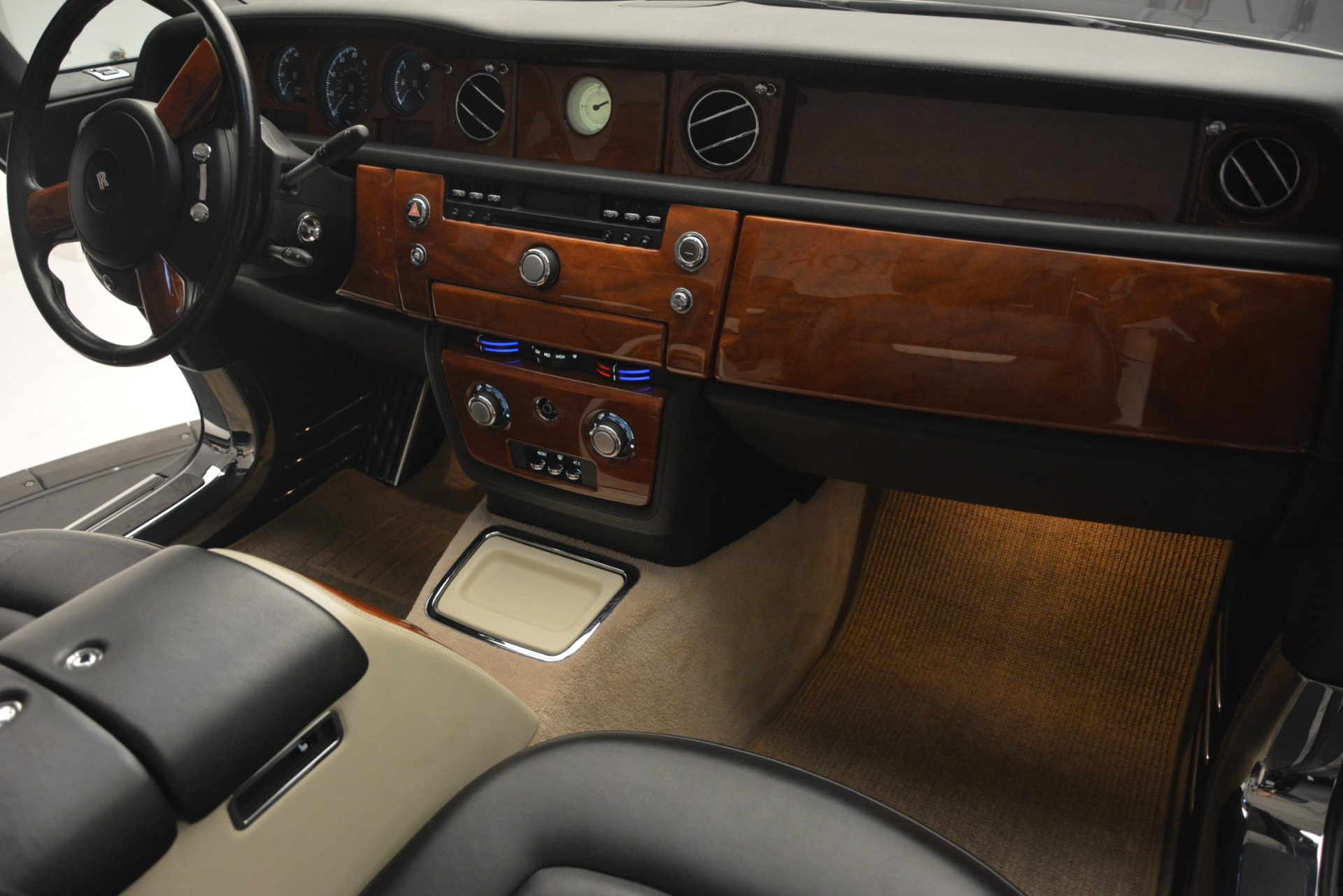 Used 2008 Rolls-Royce Phantom Drophead Coupe  For Sale In Greenwich, CT 3000_p27